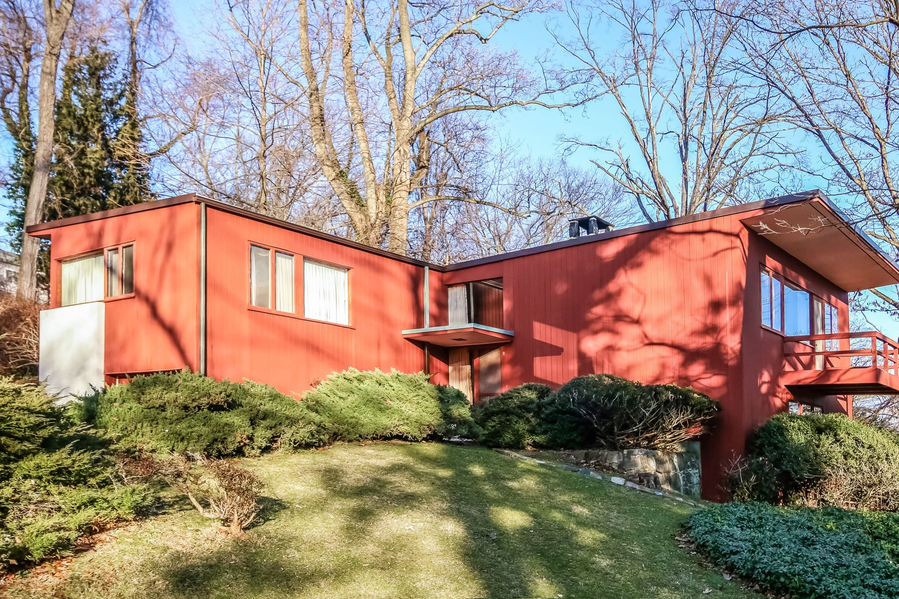 واحد منزل الأسرة للـ Sale في Mid-Century Modern Contemporary! 180 Heatherdell Road, Ardsley, New York, 10502 United States