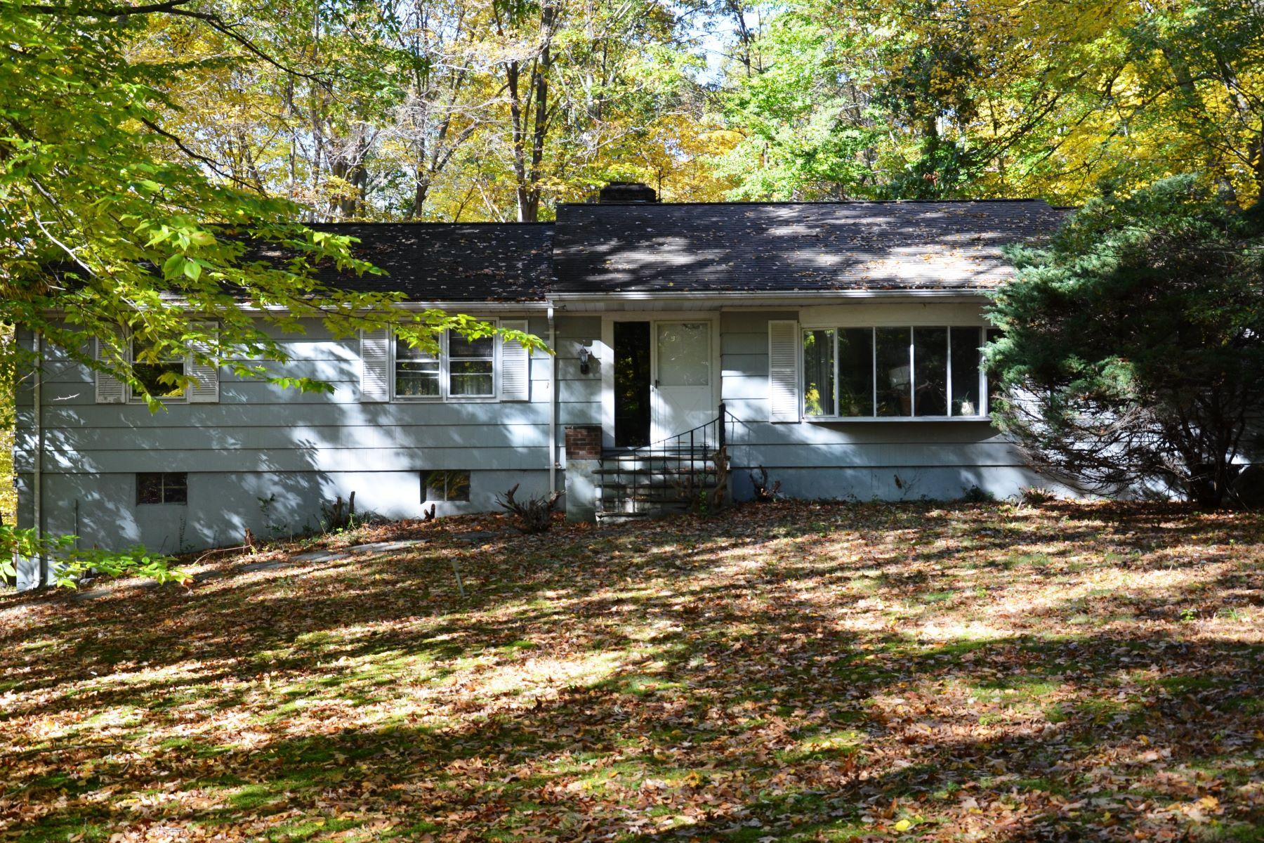 Nhà ở một gia đình vì Bán tại Conveniently Located, Easy Commute 179-d East Rocks Road Norwalk, Connecticut, 06851 Hoa Kỳ