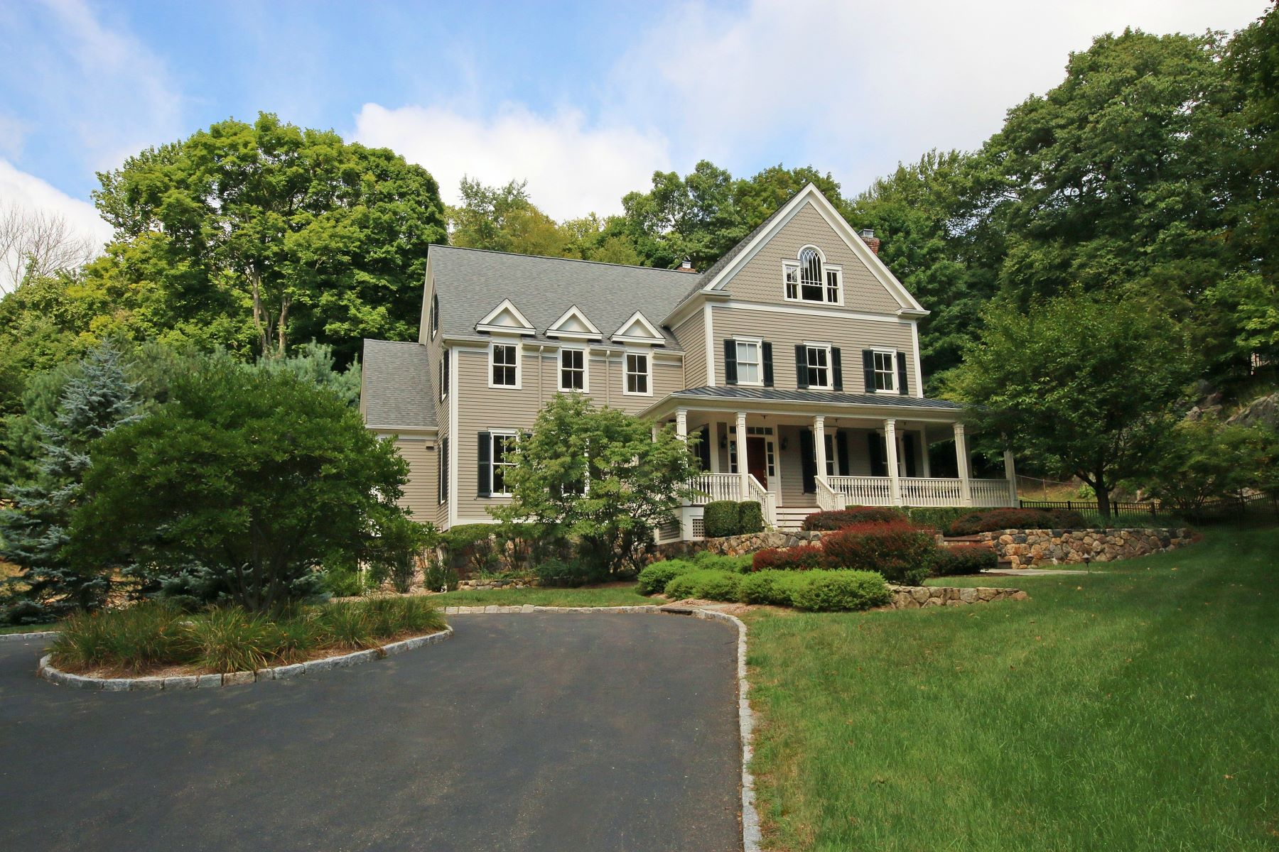獨棟家庭住宅 為 出售 在 Immaculate Custom Shingle Style Colonial 7 Eleven Levels Road, Ridgefield, 康涅狄格州, 06877 美國