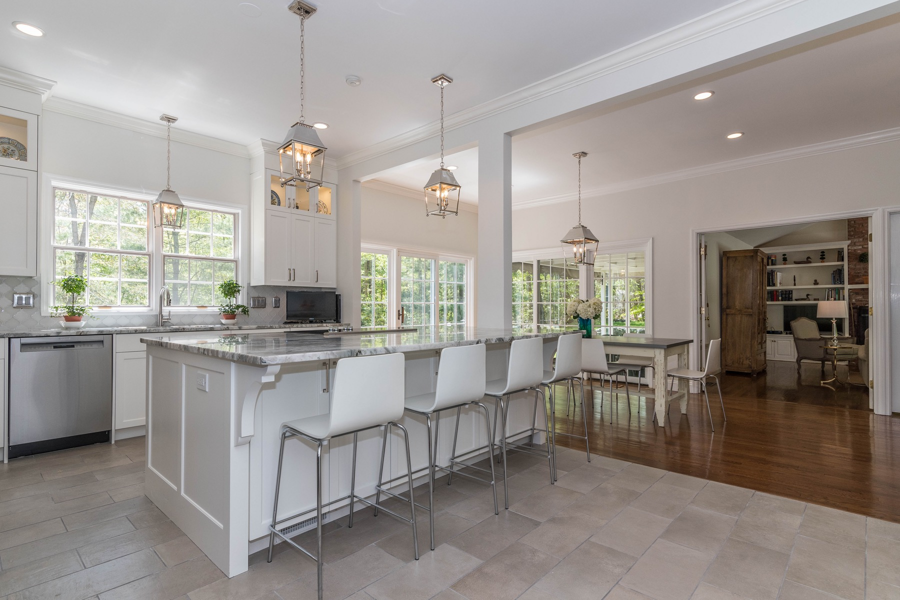 Maison unifamiliale pour l Vente à 411 Thayer Pond Road Wilton, Connecticut, 06897 États-Unis