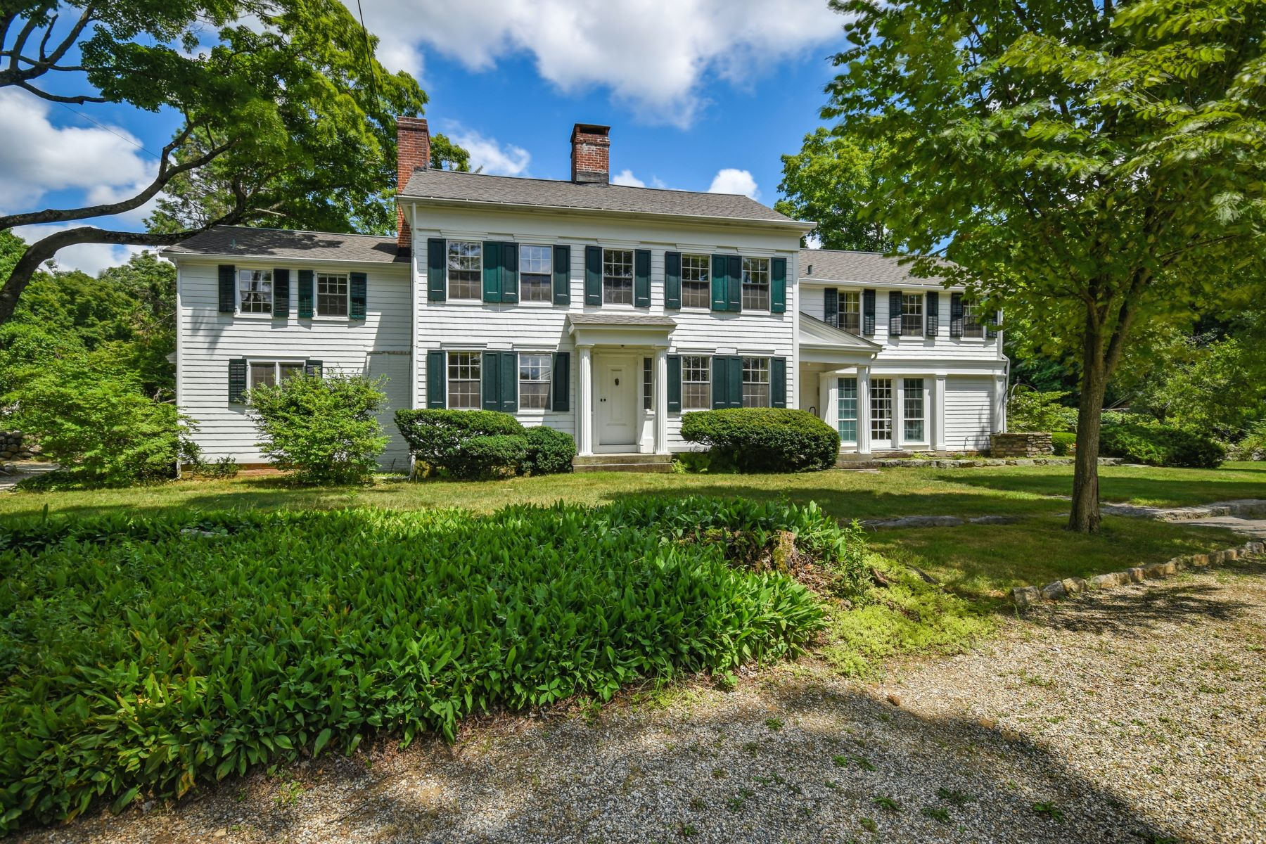 Single Family Homes للـ Sale في Classic CT Antique Home Set on 15 Acres 11 Wampum Hill Road, Weston, Connecticut 06883 United States