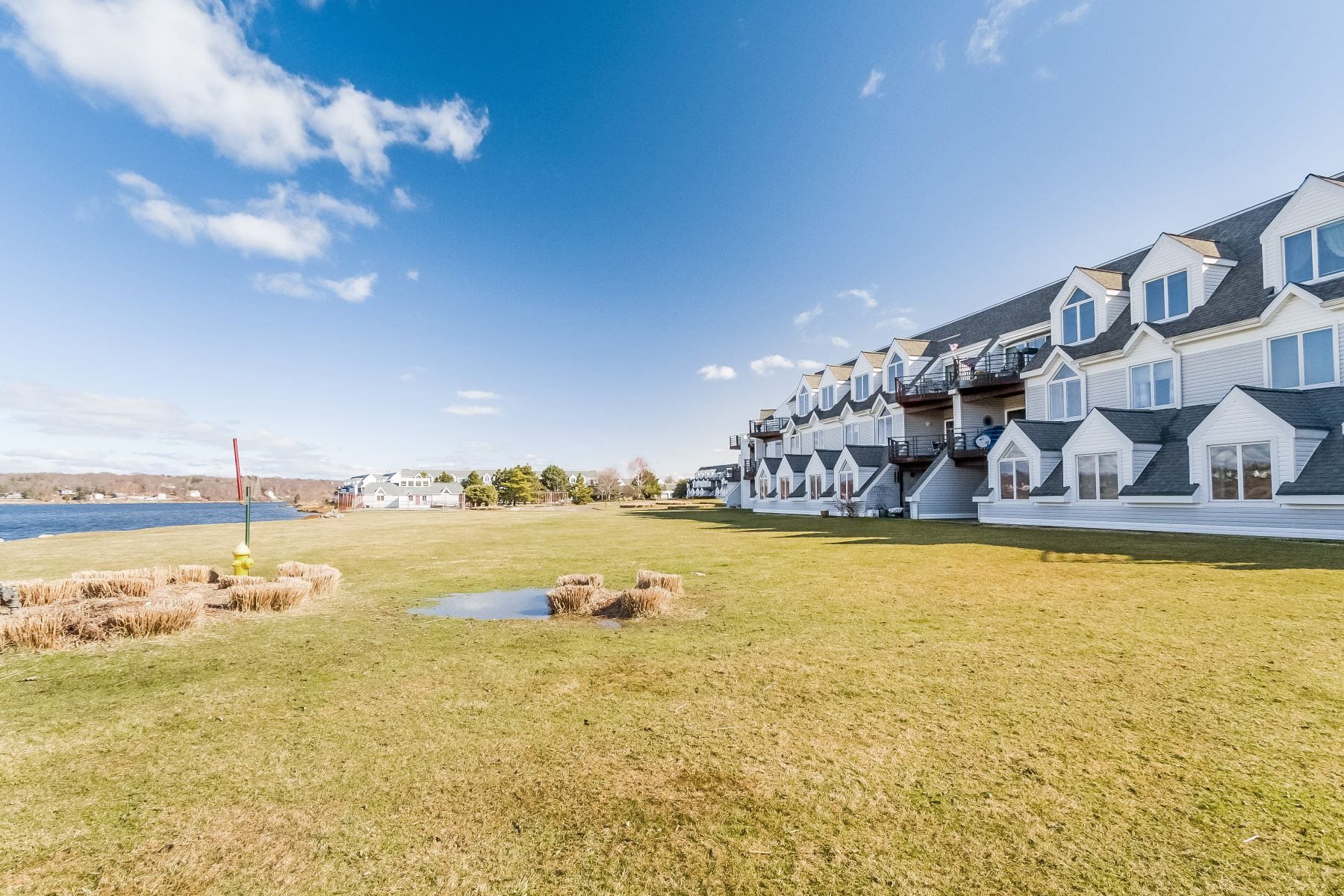Condominium for Sale at Direct Waterfront Location 1416 Windward 1416 Milford, Connecticut 06461 United States