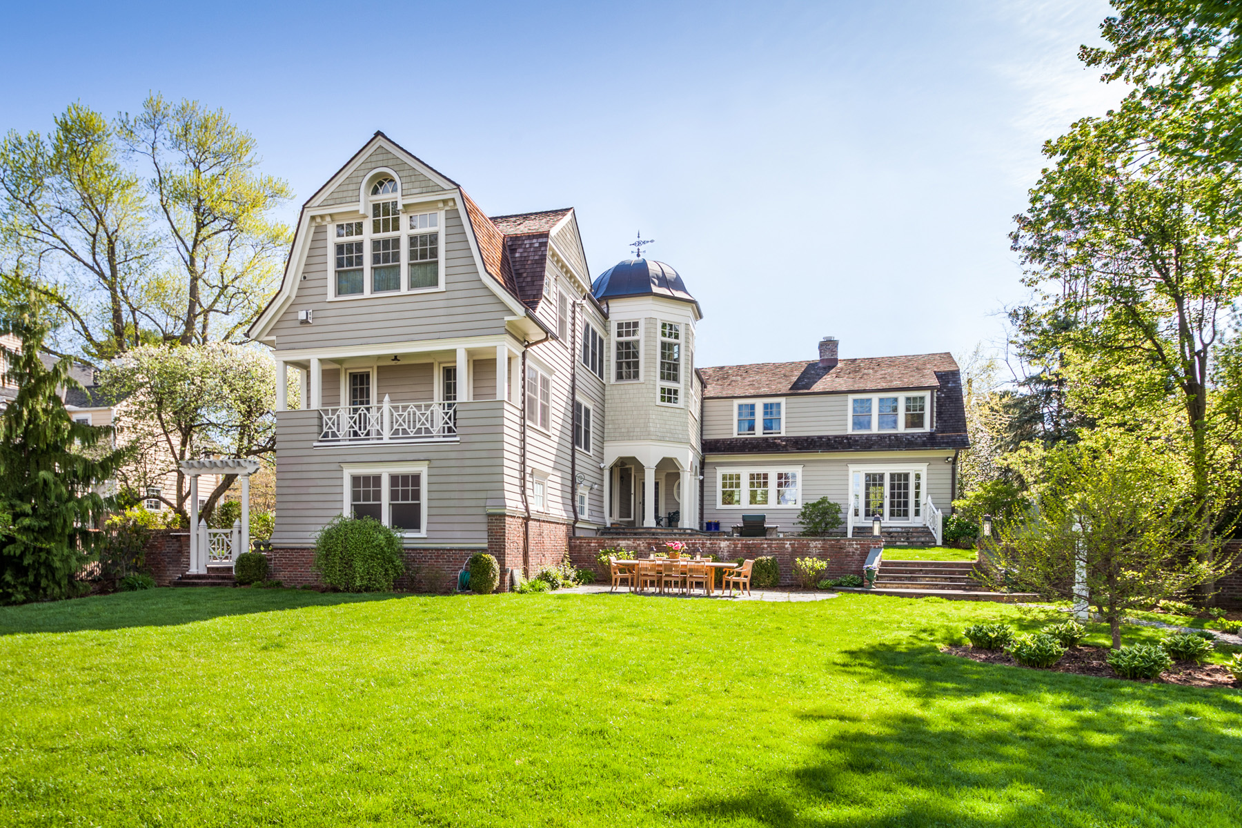 Single Family Home for Sale at Spectacular Bronxville Property 25 Greenfield Avenue Bronxville, New York 10708 United States