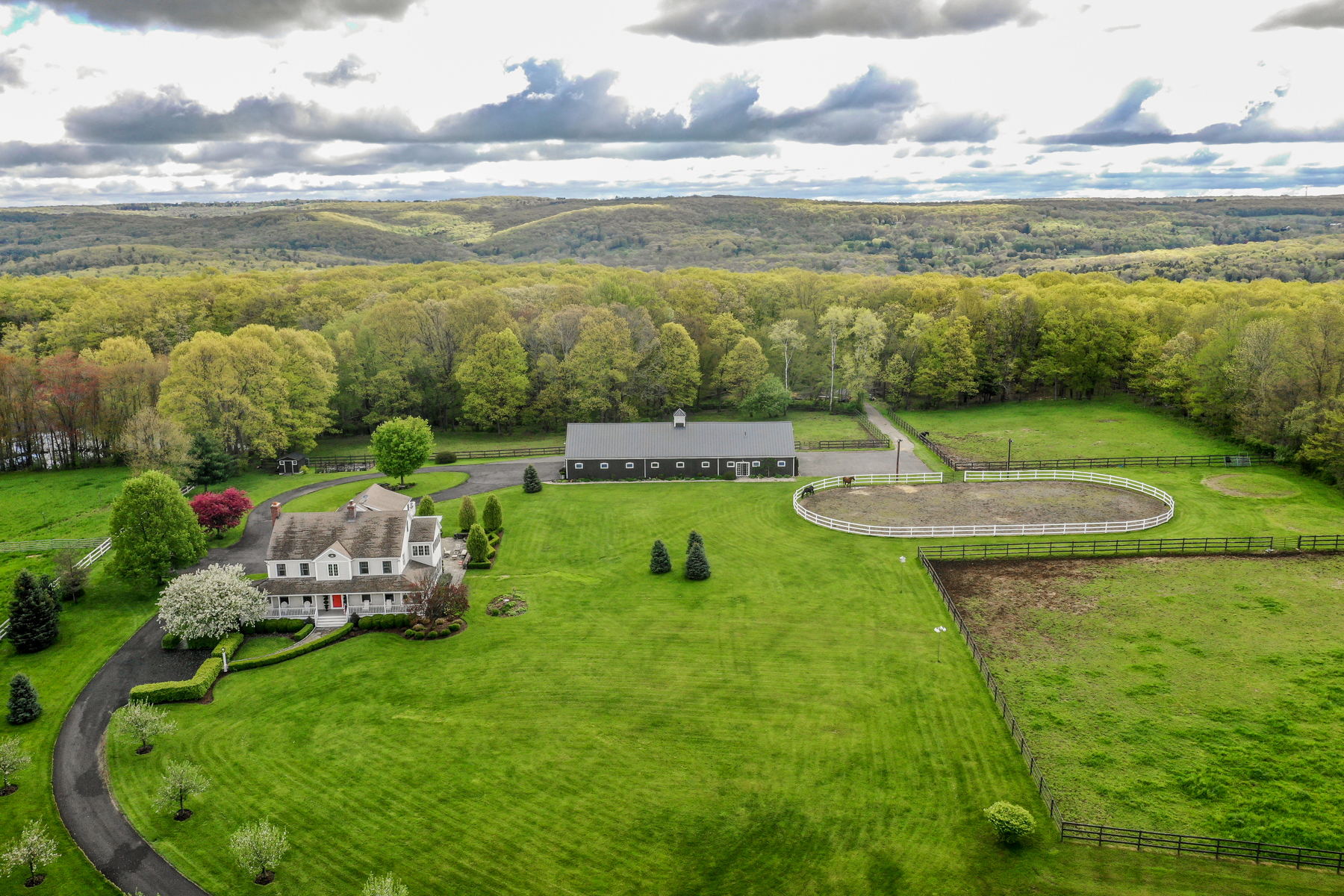 Single Family Homes for Sale at Bountiful Equestrian Property 2 Beaver Pond Lane Bridgewater, Connecticut 06752 United States