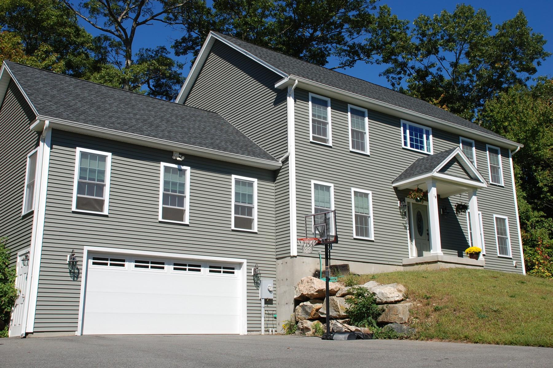 Einfamilienhaus für Verkauf beim Well Designed Custom Colonial in Falls River Farms 10 Foster Ln Essex, Connecticut, 06442 Vereinigte Staaten