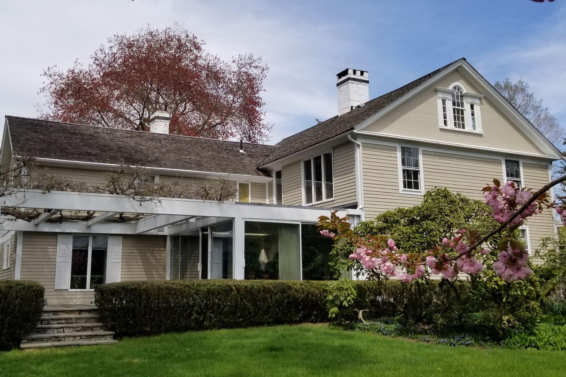 独户住宅 为 销售 在 Prominent and Stunning Vintage Home 6 Lyme Street 旧莱姆, 康涅狄格州 06371 美国