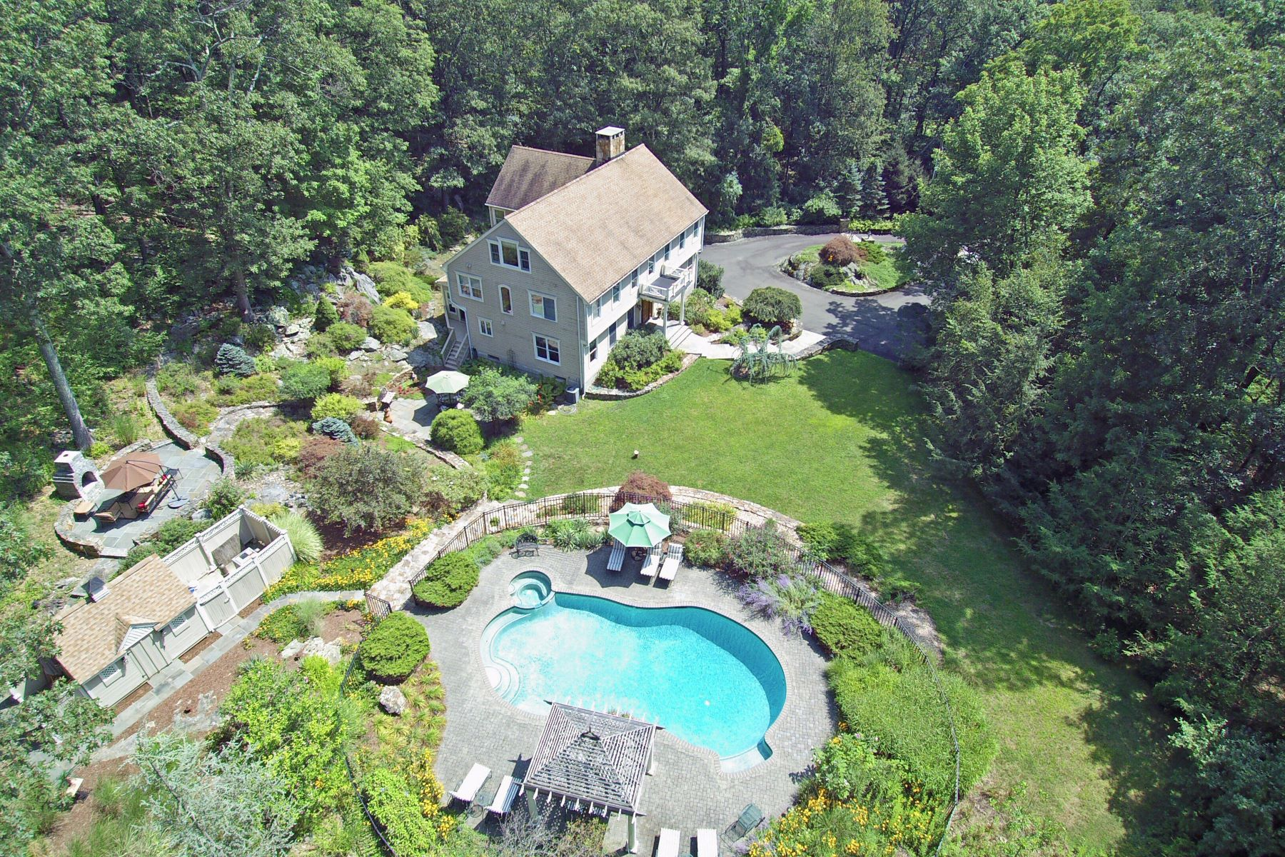 Casa Unifamiliar por un Venta en Exceptional Country Compound 356 Black Rock Turnpike Redding, Connecticut 06896 Estados Unidos