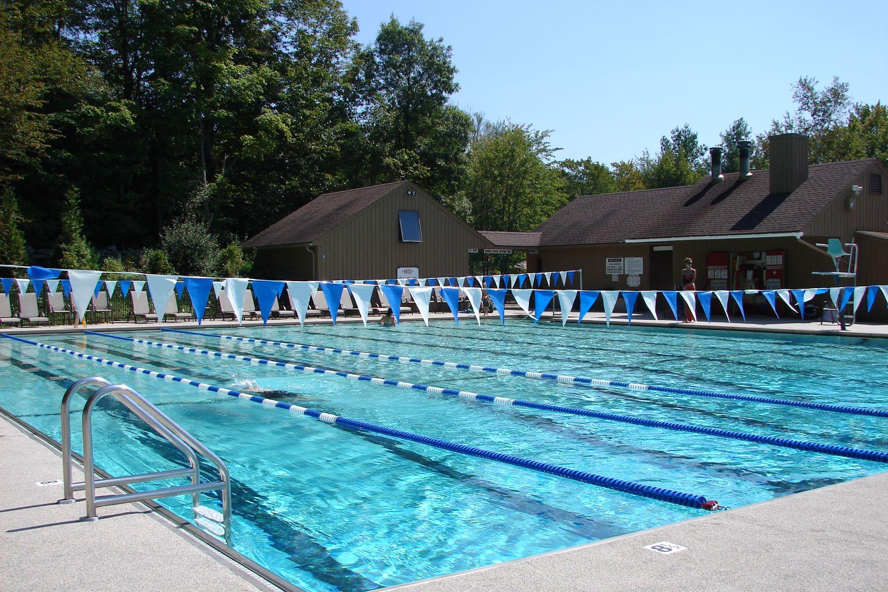 Additional photo for property listing at Woodridge Lake Single Level Living 55 Shelbourne Drive 哥珊地, 康涅狄格州 06756 美国