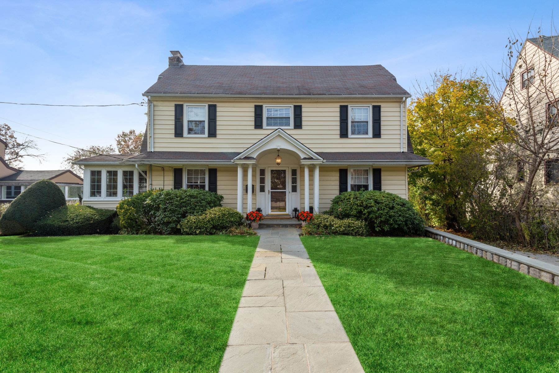 Single Family Homes for Sale at Welcome To 877 James Street 877 James Street Pelham, New York 10803 United States