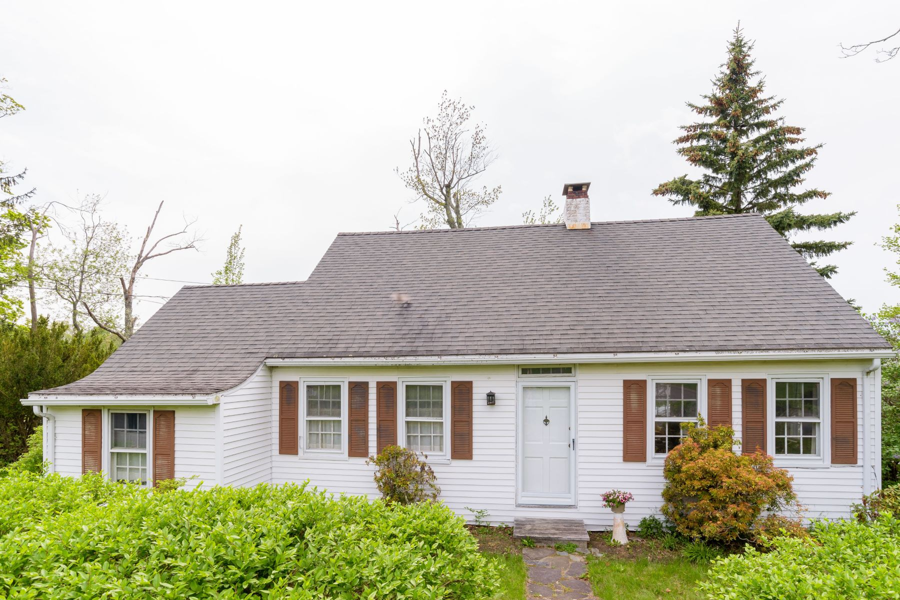 single family homes for Sale at Beautiful Ball Pond 31 Ball Pond Road East, New Fairfield, Connecticut 06812 United States