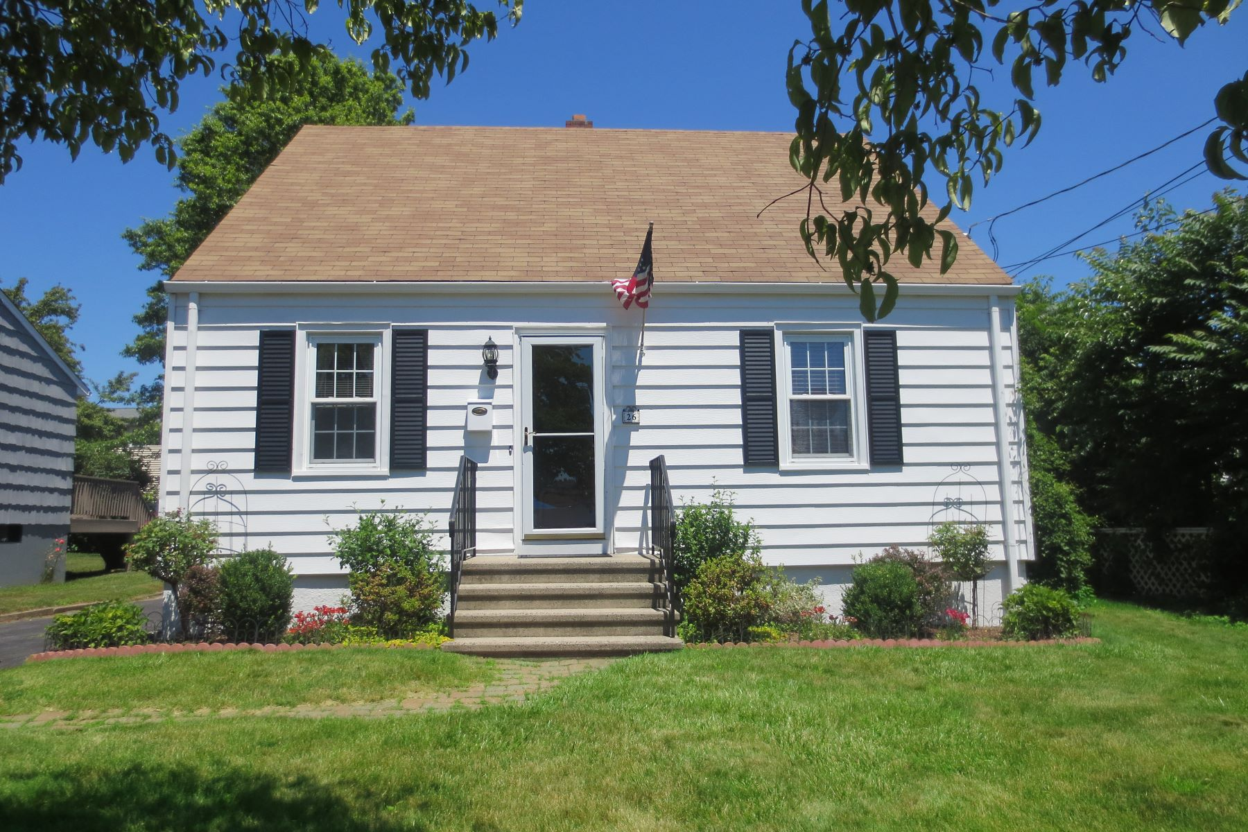 Single Family Home for Sale at Turn The Key And Move Right In! 26 Renchy Street, Fairfield, Connecticut, 06824 United States