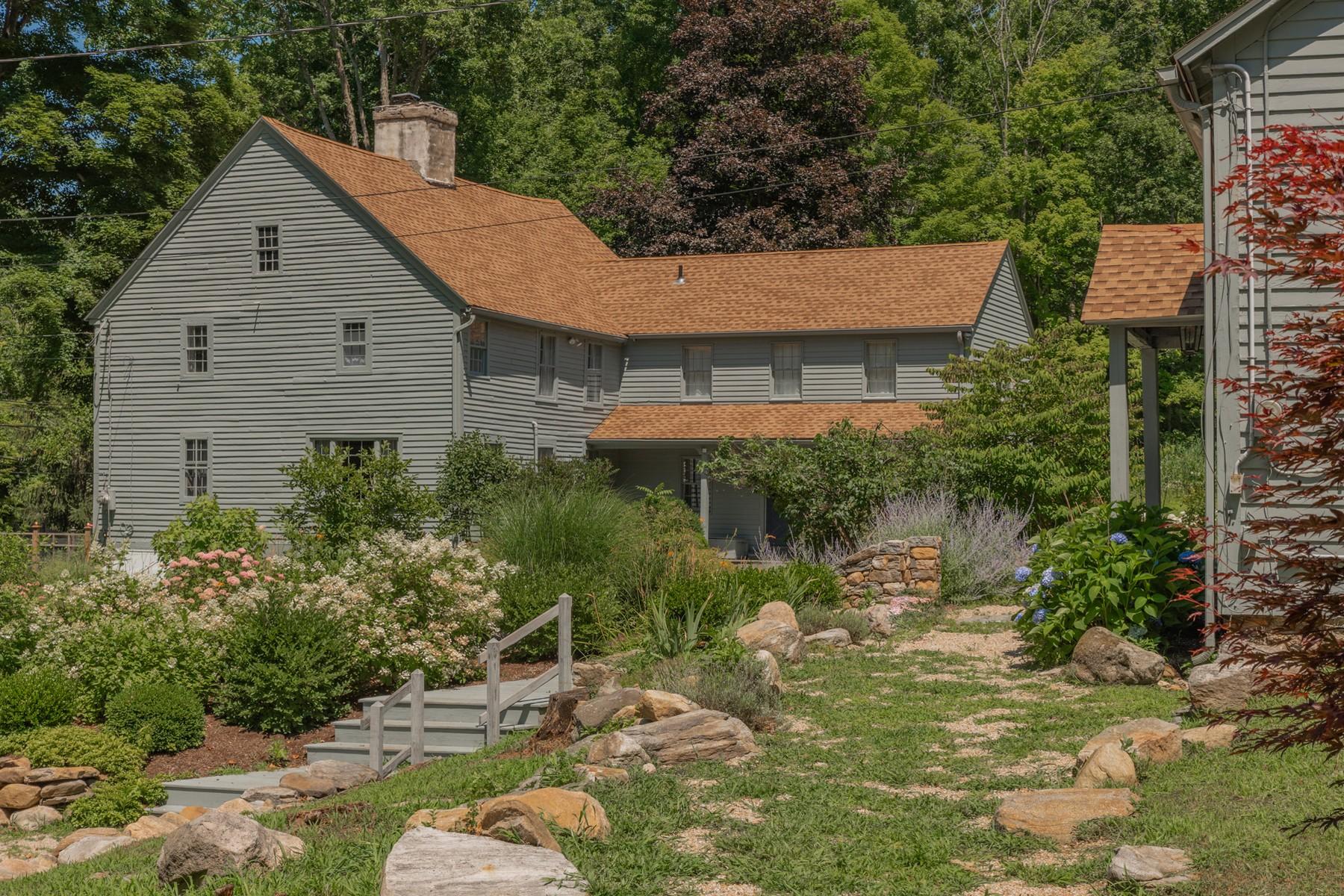 Eensgezinswoning voor Verkoop op Glorious c.1764 Center Chimney Colonial on 5+ Acres 401 Hamburg Road, Lyme, Connecticut 06371 Verenigde Staten