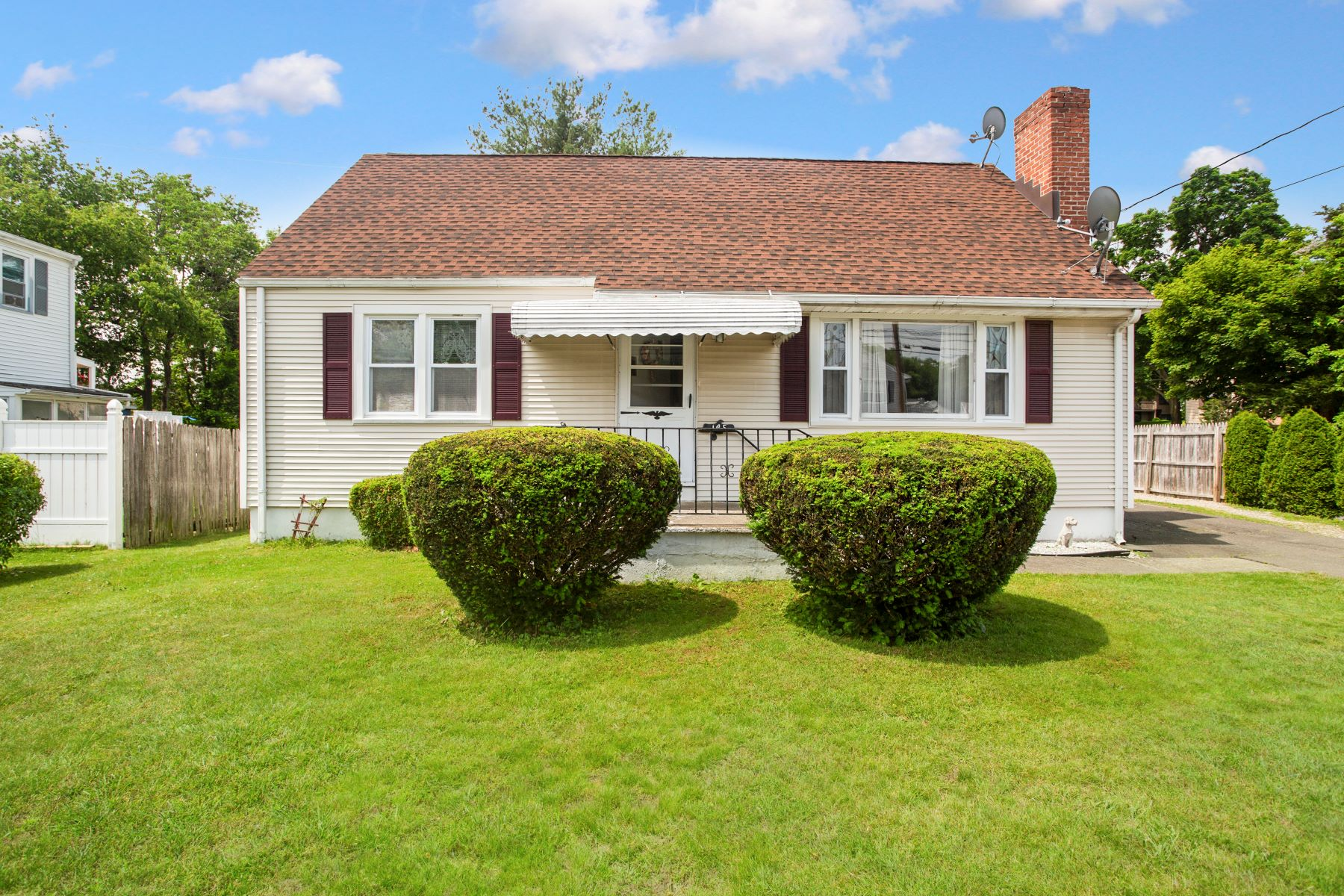 Single Family Homes for Sale at Well Built Cape Cod Home 145 Primrose Avenue Bridgeport, Connecticut 06606 United States