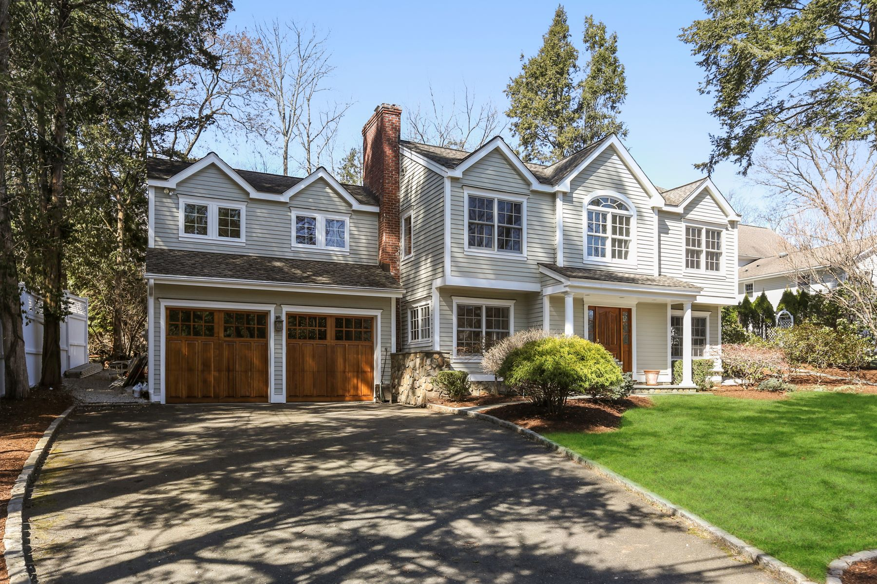 Single Family Homes vì Bán tại Westport, Connecticut 06880 Hoa Kỳ