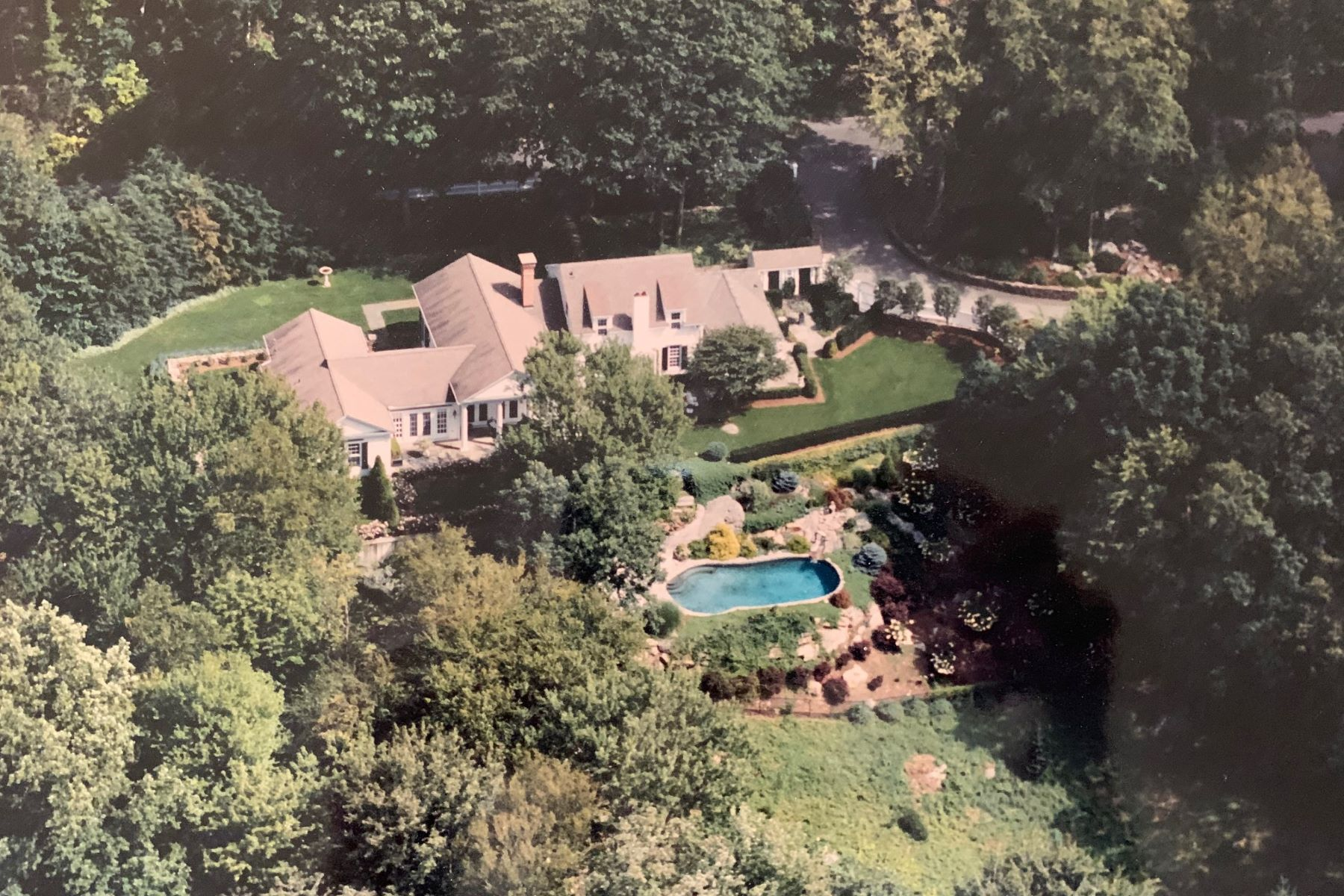 Single Family Homes for Active at 225 Skyline Ridge Road Bridgewater, Connecticut 06752 United States