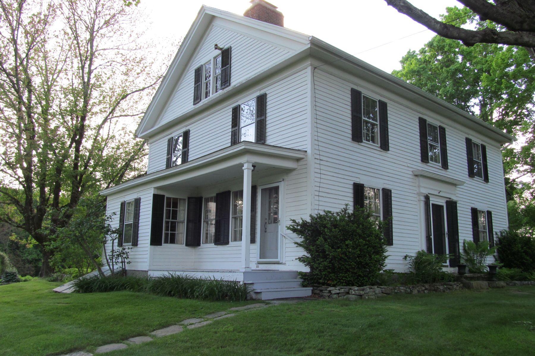 Eensgezinswoning voor Verkoop op Antique Farmhouse With Modern Conveniences 103 Litchfield Road, Morris, Connecticut 06763 Verenigde Staten