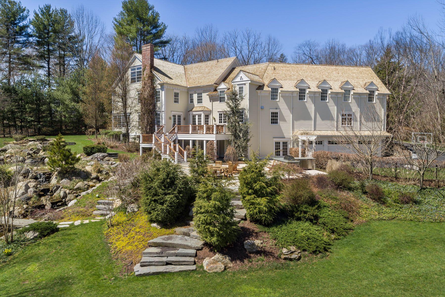 独户住宅 为 销售 在 Idyllic Georgian Colonial in Premier Location 1084A Sturges Highway 韦斯特波特, 康涅狄格州 06880 美国