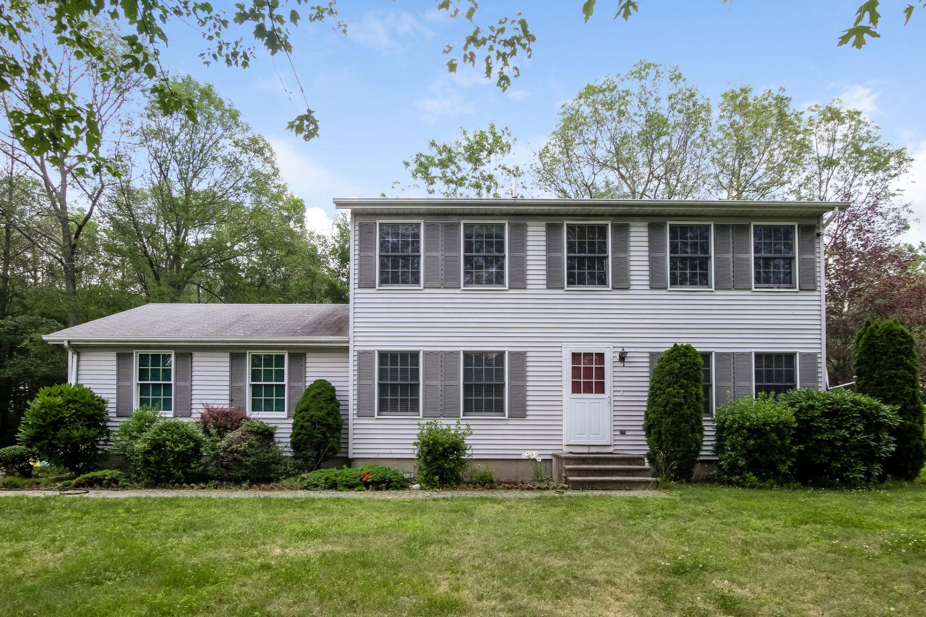 Casa Unifamiliar por un Venta en Great Colonial 3 Tory Drive Montville, Connecticut, 06382 Estados Unidos
