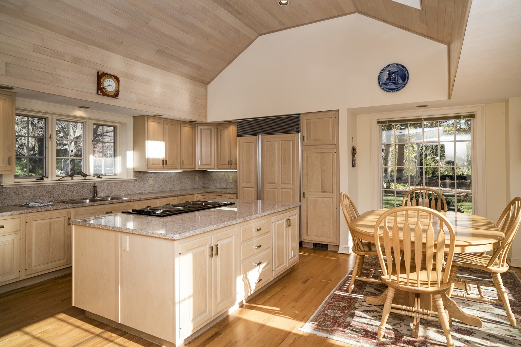 Additional photo for property listing at Country Estate 75 Reutemann Road North Stonington, Connecticut 06359 United States