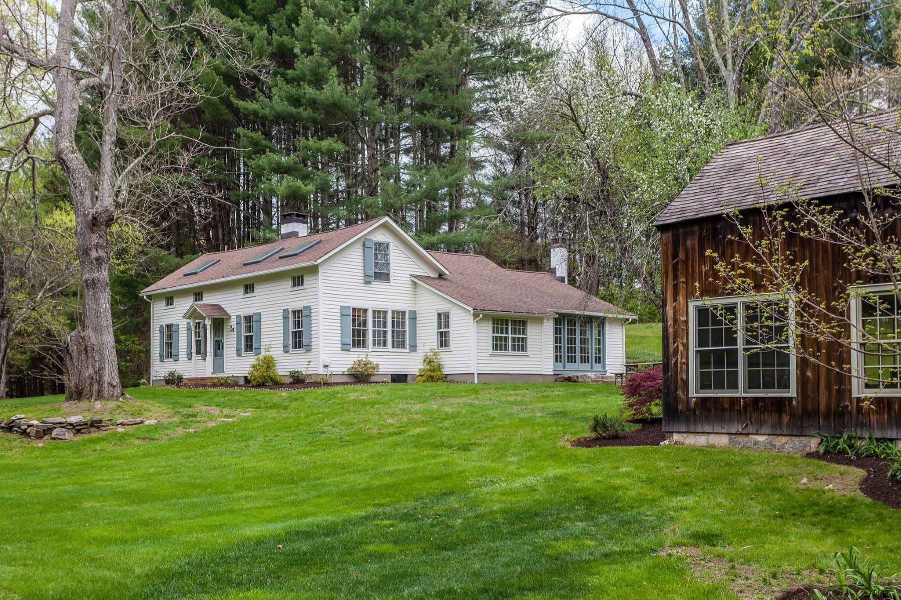 Single Family Home for Sale at Luxe country retreat on 25 Acres 91 Cherniske Rd New Milford, Connecticut 06776 United States