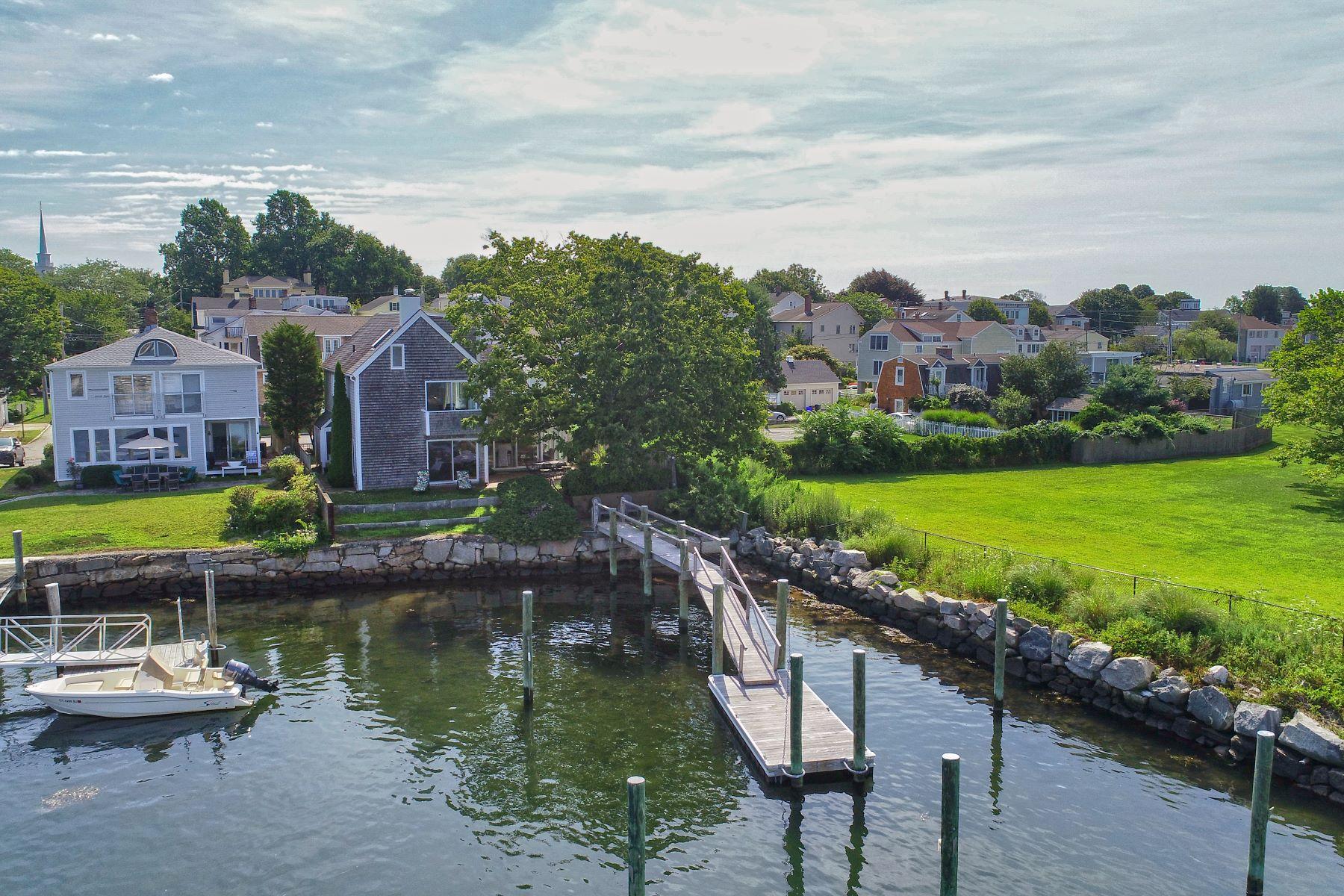 Single Family Homes のために 売買 アット Waterfront in Stonington Borough! 13 Front Street, Stonington, コネチカット 06378 アメリカ