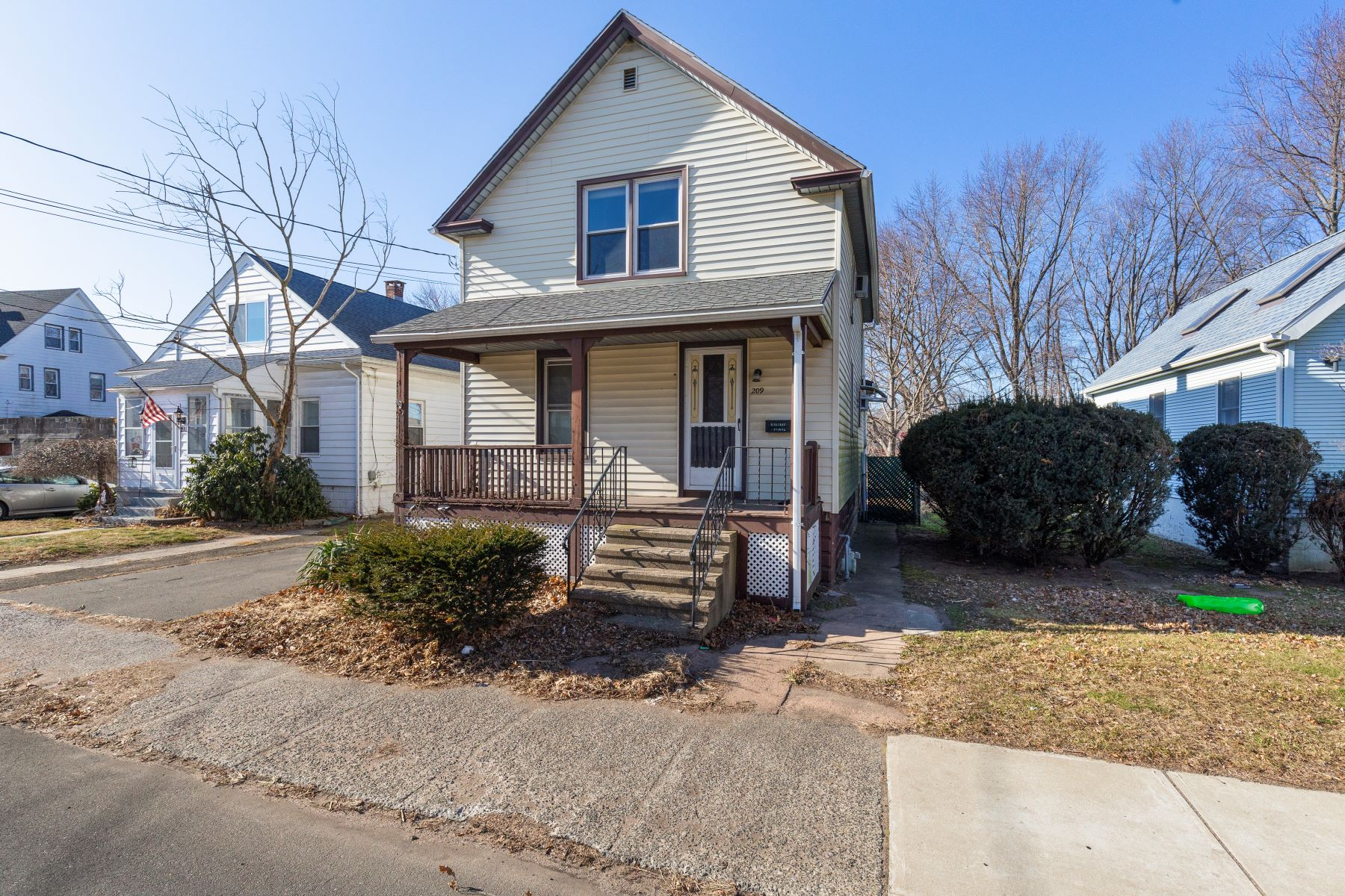 Single Family Homes for Active at 209 Kimberly Avenue 209 Kimberly Ave East Haven, Connecticut 06512 United States
