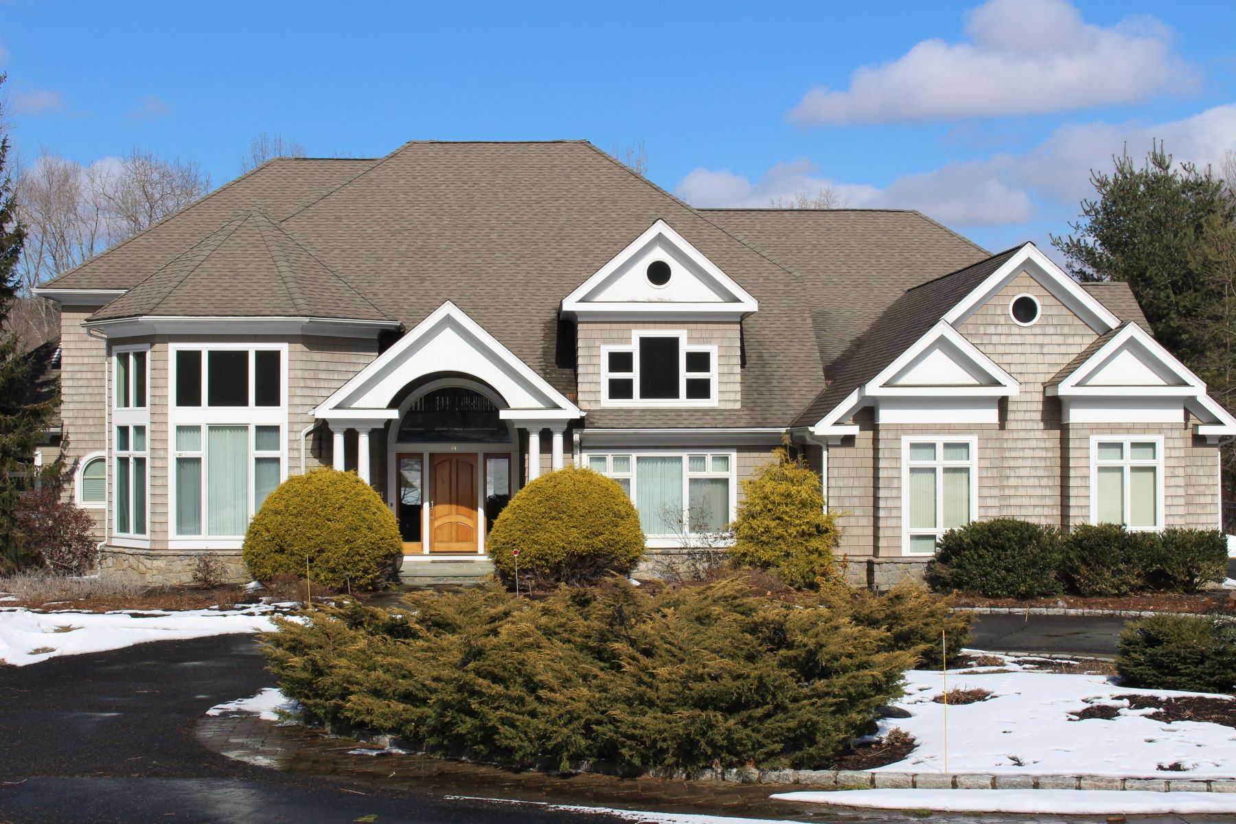 Single Family Home for Sale at The Waterfront Home Of Your Dreams 14 Hidden Brook Drive Brookfield, Connecticut 06804 United States