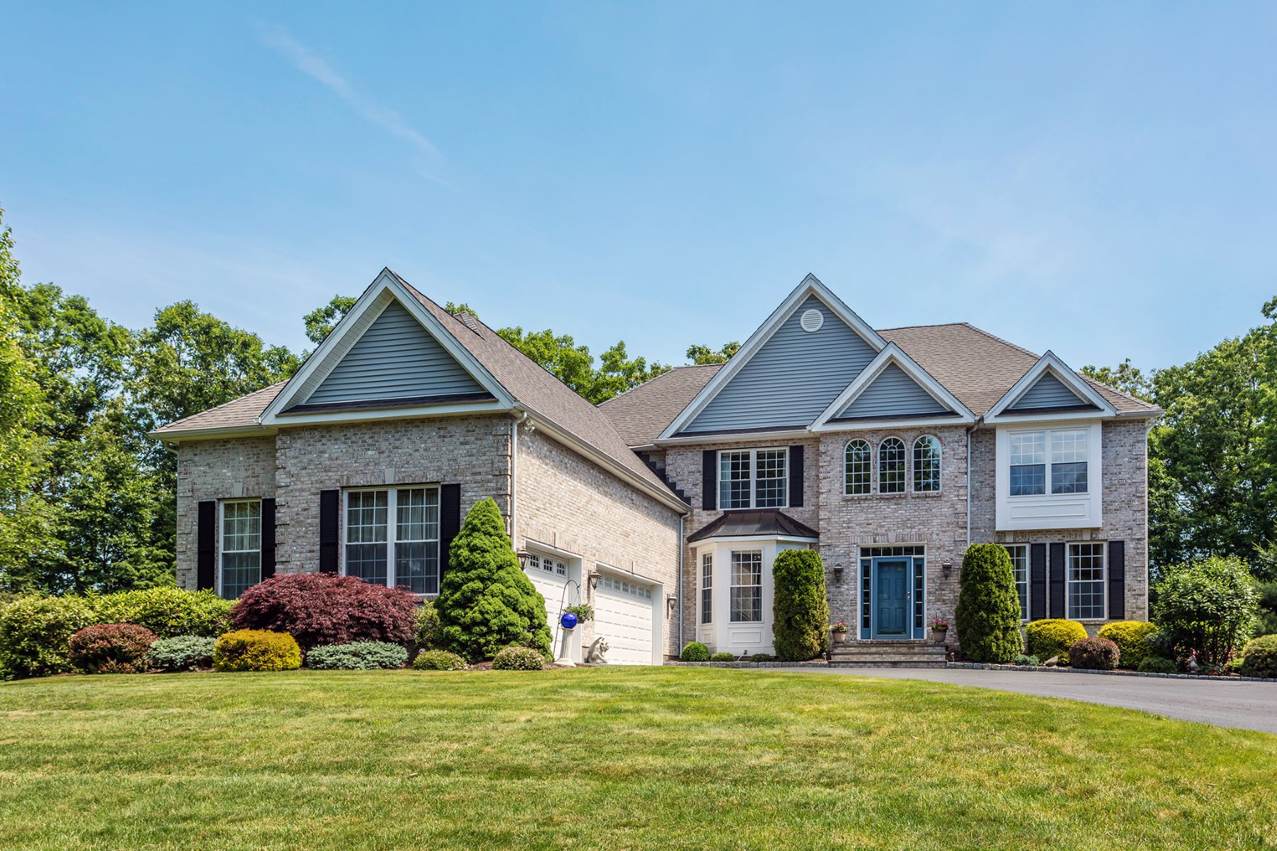 Single Family Homes for Active at 43 Birchwood Lane Woodbury, Connecticut 06798 United States