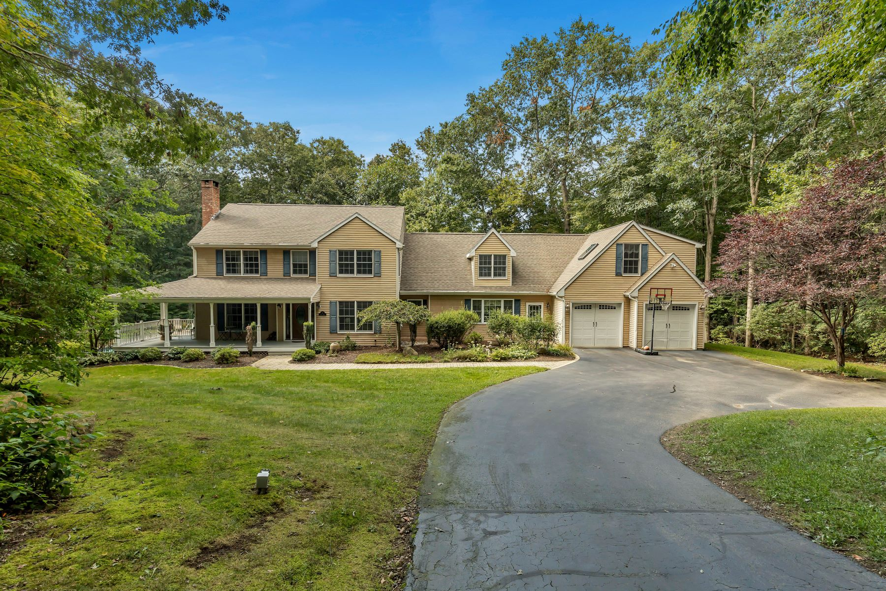 Single Family Homes for Sale at 17 Rose Lane East Lyme, Connecticut 06333 United States