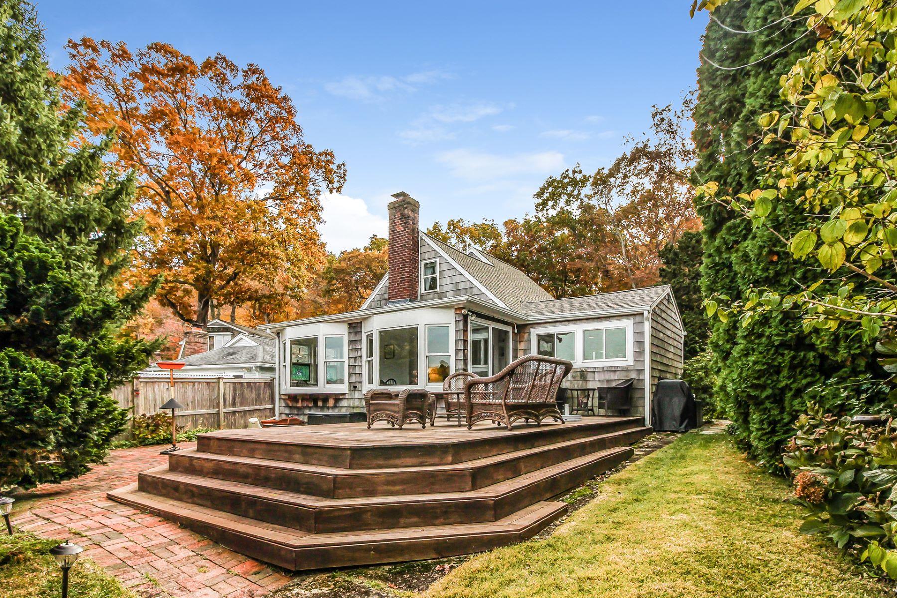 Eensgezinswoning voor Verkoop op Lakefront Bungalow 137 Shore Drive, Lyme, Connecticut 06371 Verenigde Staten