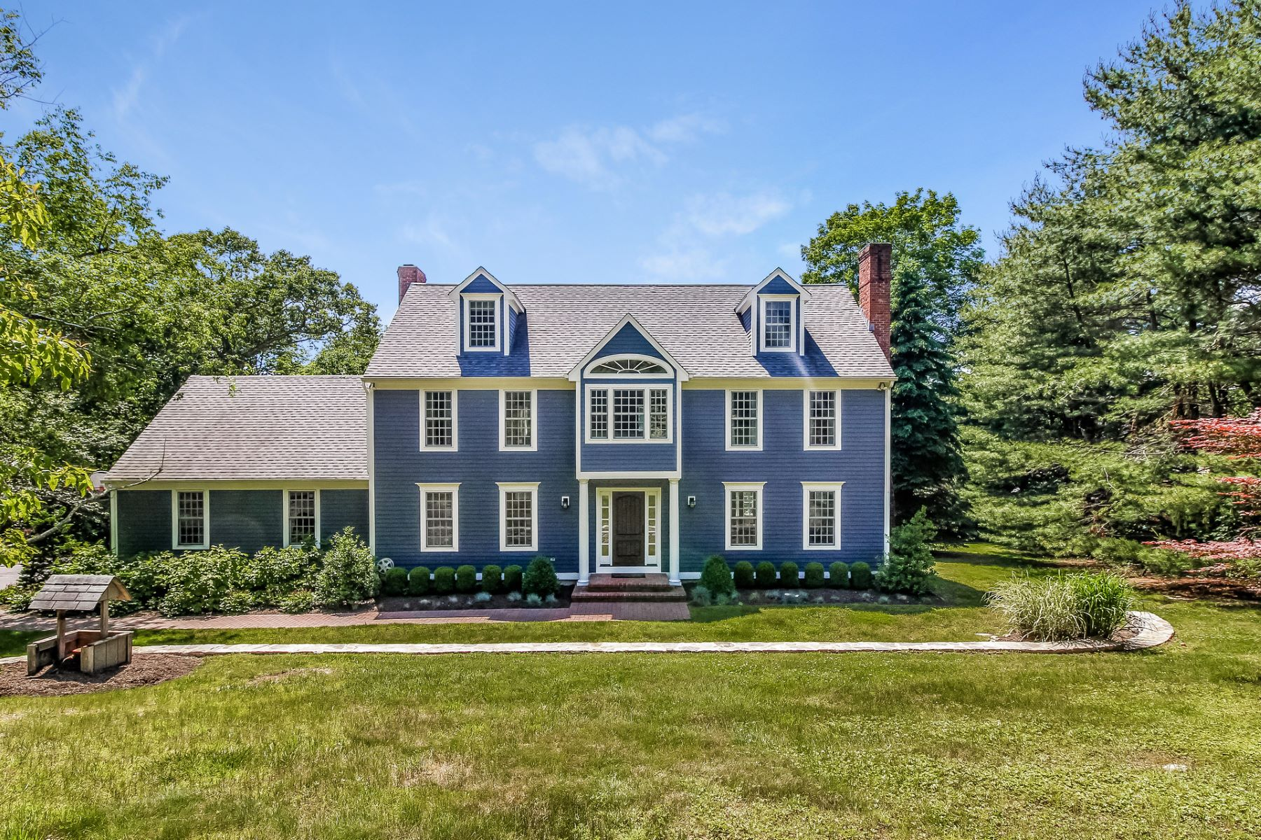 Single Family Homes for Sale at Impressive Colonial in a Desirable Neighborhood 67 Ortner Dr Westbrook, Connecticut 06498 United States