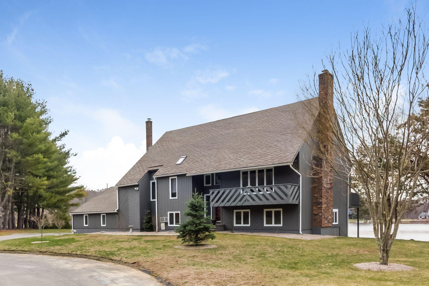 단독 가정 주택 용 매매 에 103 Cindy Lane Guilford, 코네티컷, 06437 미국