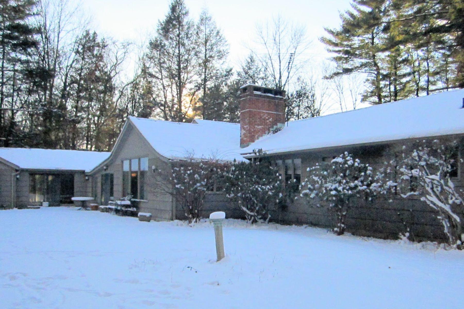 Nhà ở một gia đình vì Bán tại Endless Possibilites Await You Here 68 Cross Highway Westport, Connecticut, 06880 Hoa Kỳ