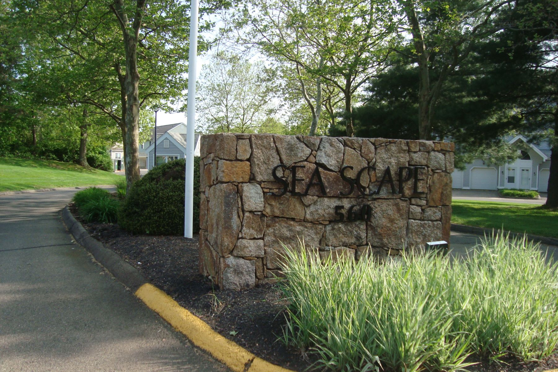 condominiums for Sale at 560 Silver Sands Road 560 Silver Sands Rd 1304, East Haven, Connecticut 06512 United States