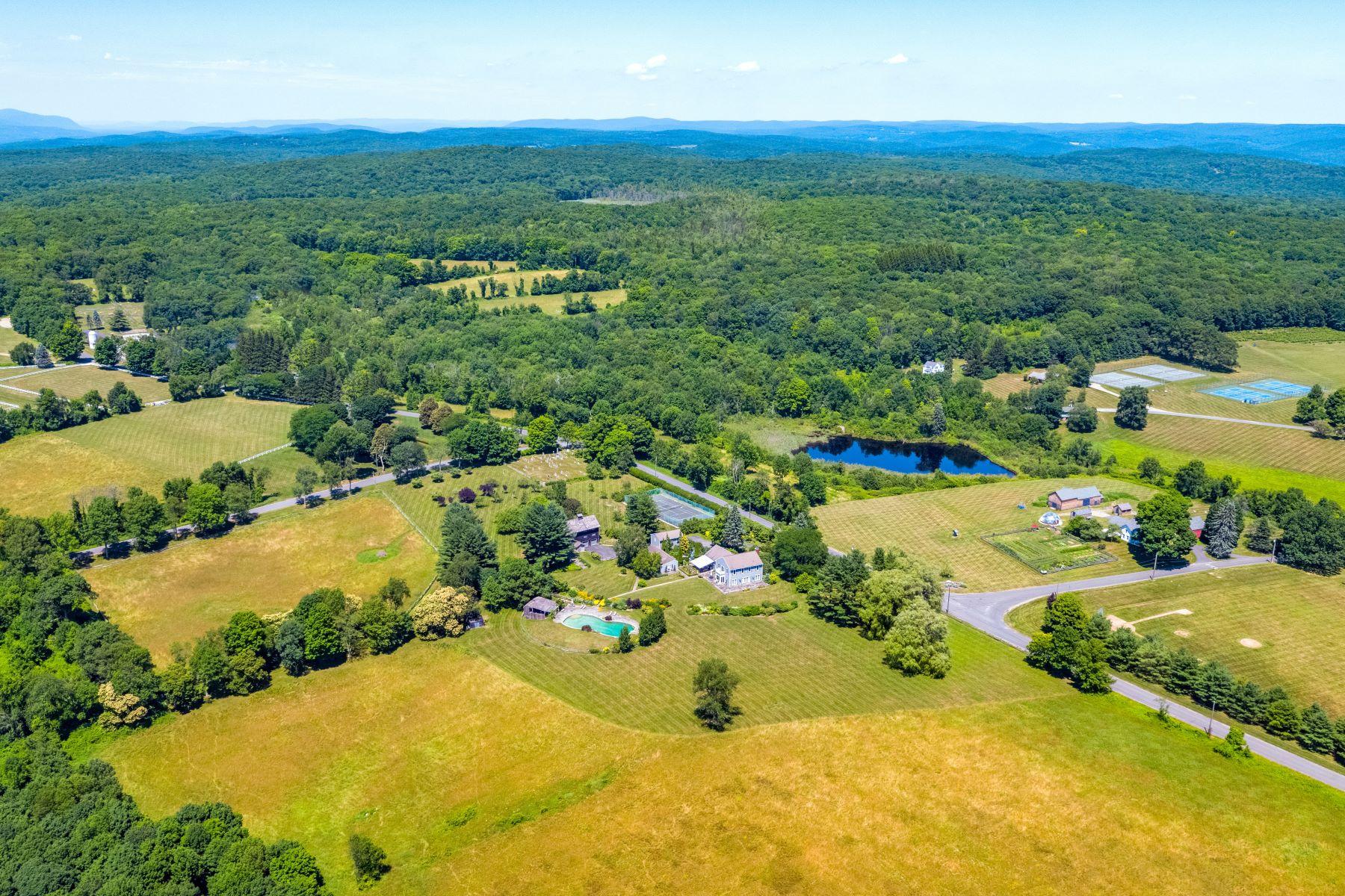 Eensgezinswoning voor Verkoop op Skiff Mountain Farm Kent, Connecticut 06757 Verenigde Staten