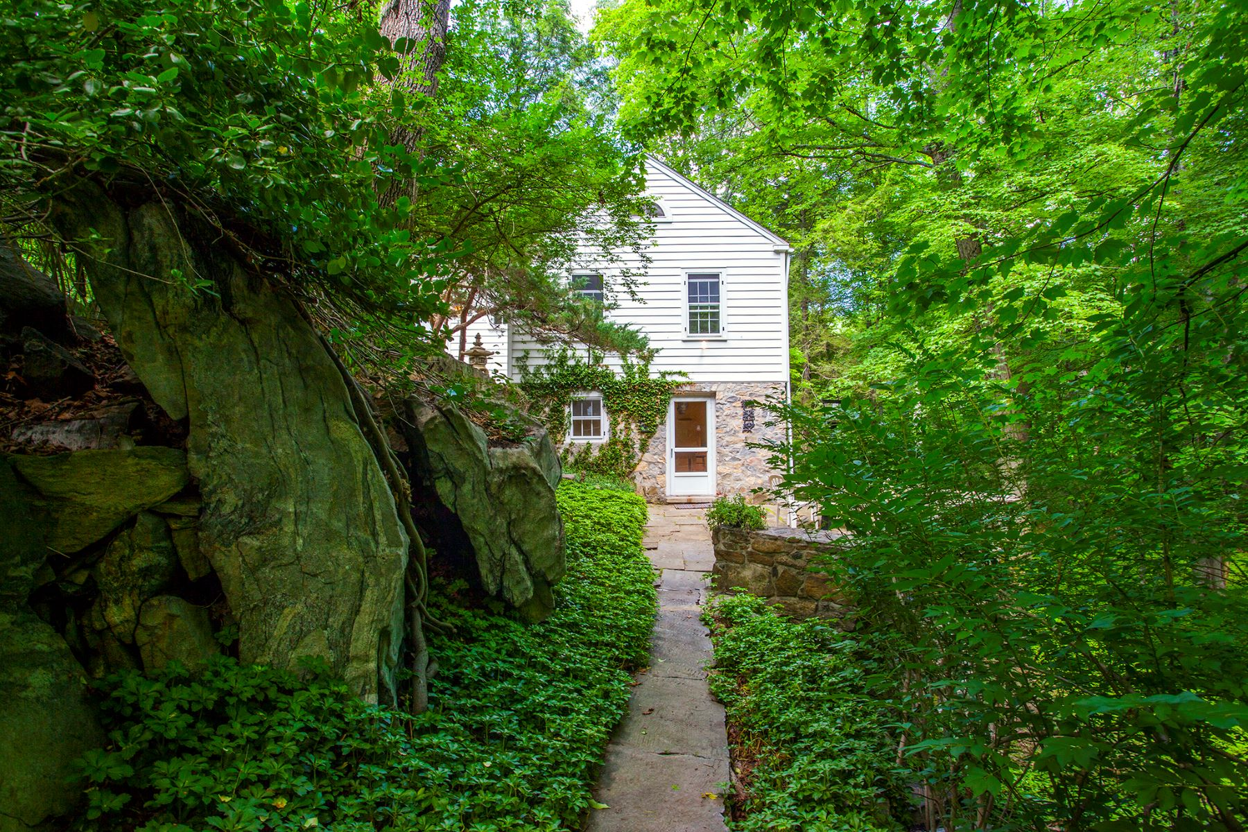 Single Family Homes for Sale at Charming Riverside Cottage 618 Kent Road, New Milford, Connecticut 06755 United States