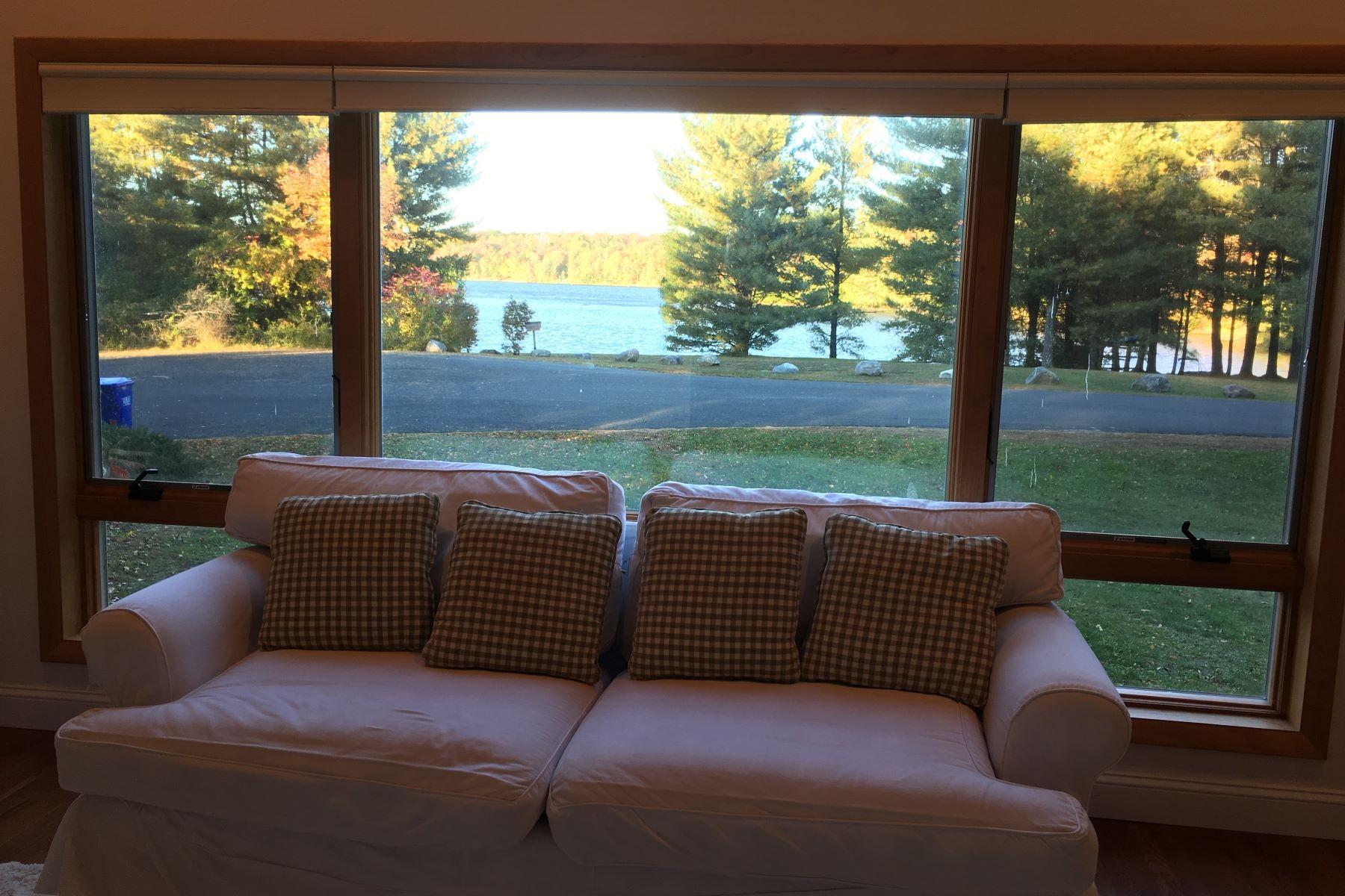 Частный односемейный дом для того Аренда на Woodridge Lake Rental 19A Wynnwood Court, Goshen, Коннектикут, 06756 Соединенные Штаты