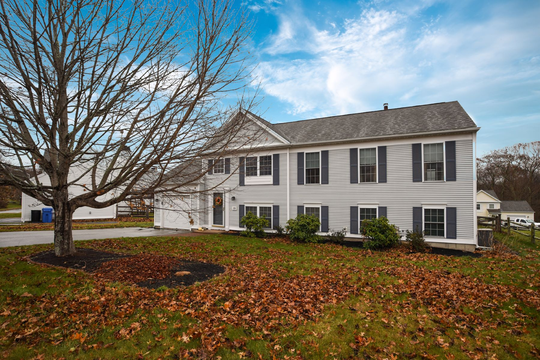 Single Family Homes for Sale at Lovely, Updated Home Close to Downtown Mystic 119 Daniel Brown Dr (Fell Thru) Groton, Connecticut 06355 United States