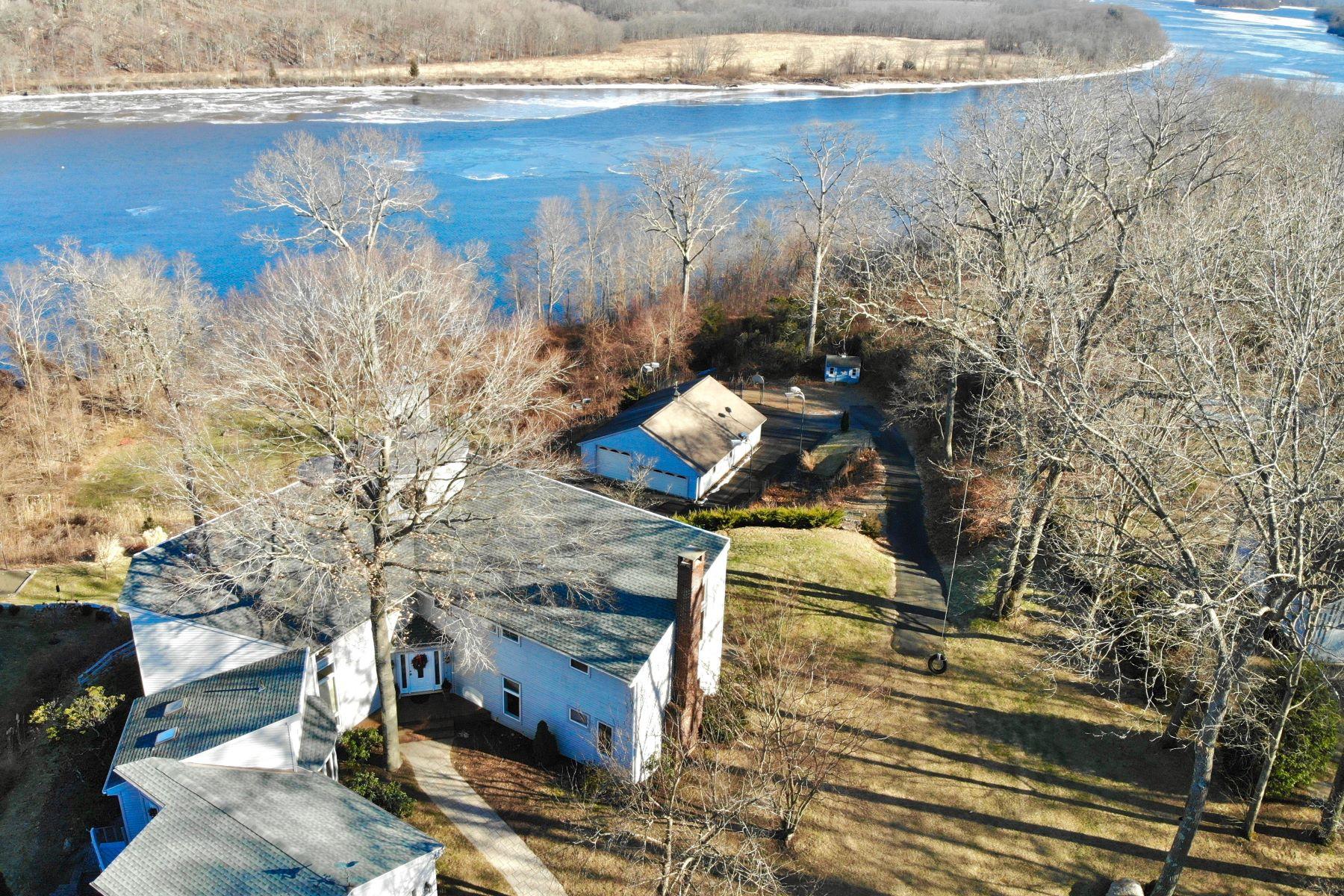 Single Family Homes para Venda às Haddam, Connecticut 06441 Estados Unidos