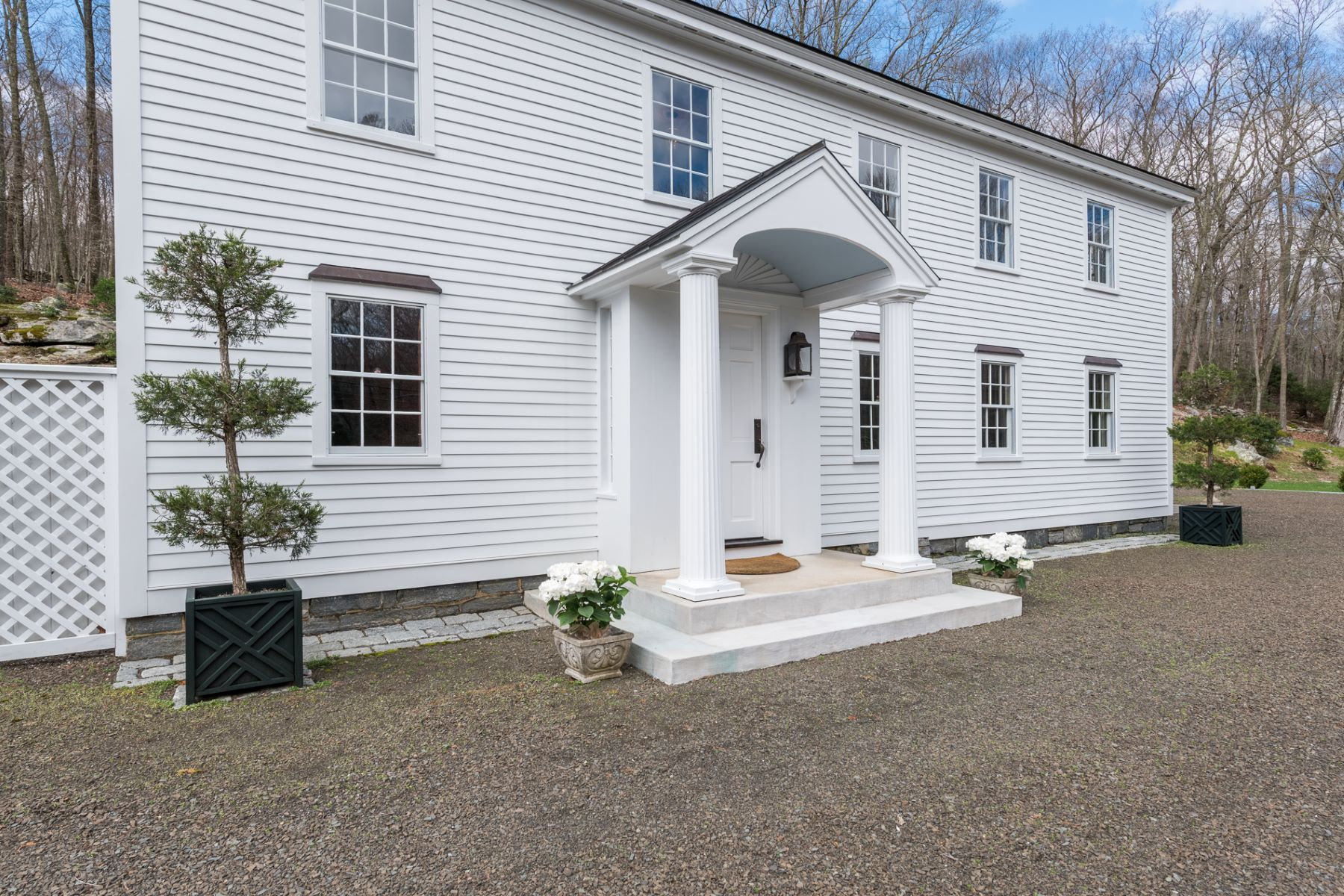 single family homes voor Verkoop op Picture-Perfect Country Retreat Ca.1796 102 Book Hill Road, Deep River, Connecticut 06417 Verenigde Staten