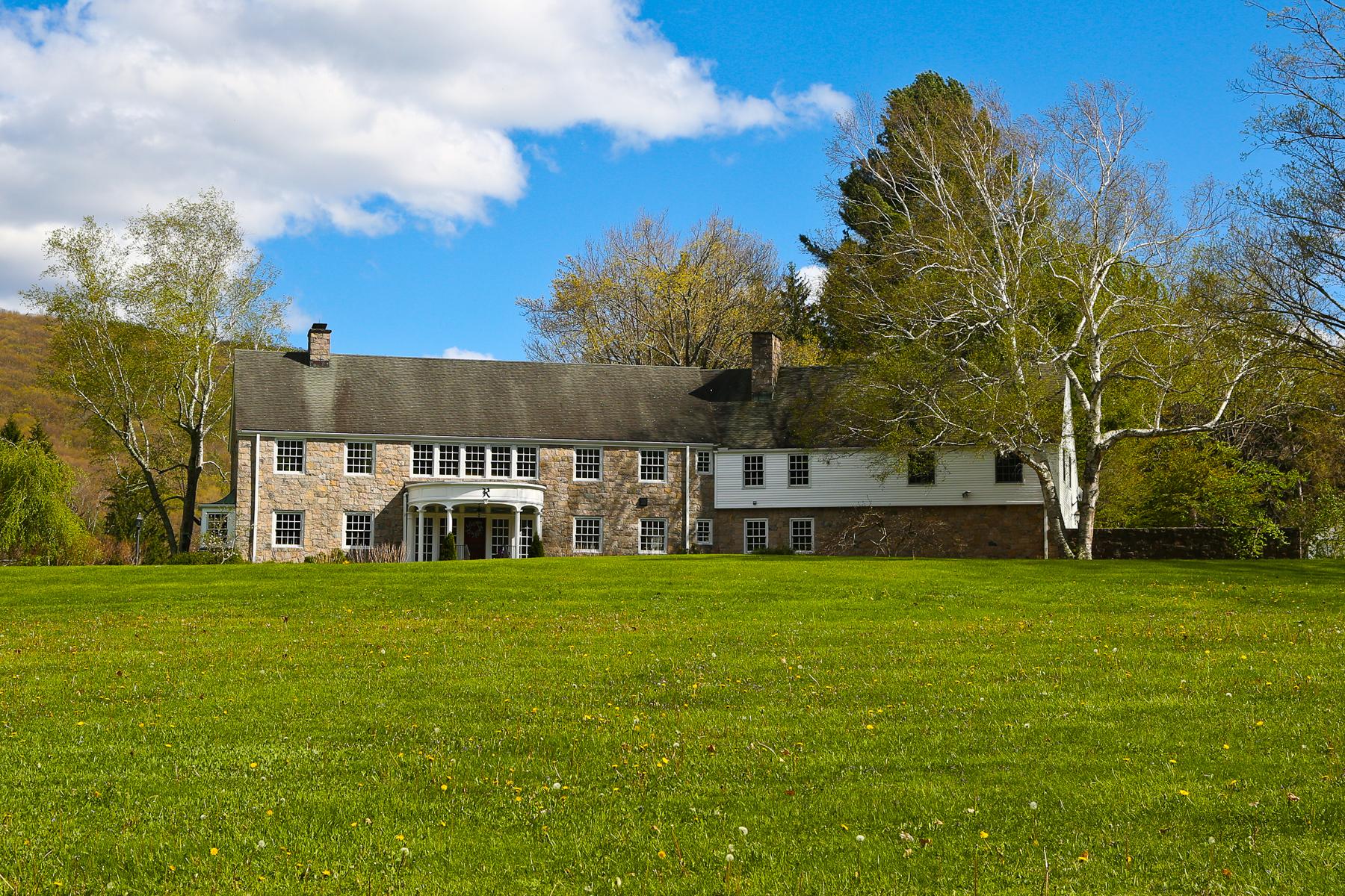 Casa Unifamiliar por un Venta en Gracious Sharon Estate 140 White Hollow Rd Sharon, Connecticut, 06069 Estados Unidos