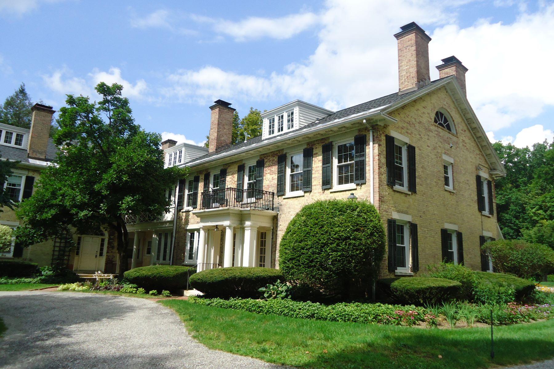Eigentumswohnung für Verkauf beim Sweet 2 Bedroom Condo Close to Town 57 Main St 3 Stockbridge, Massachusetts, 01262 Vereinigte Staaten