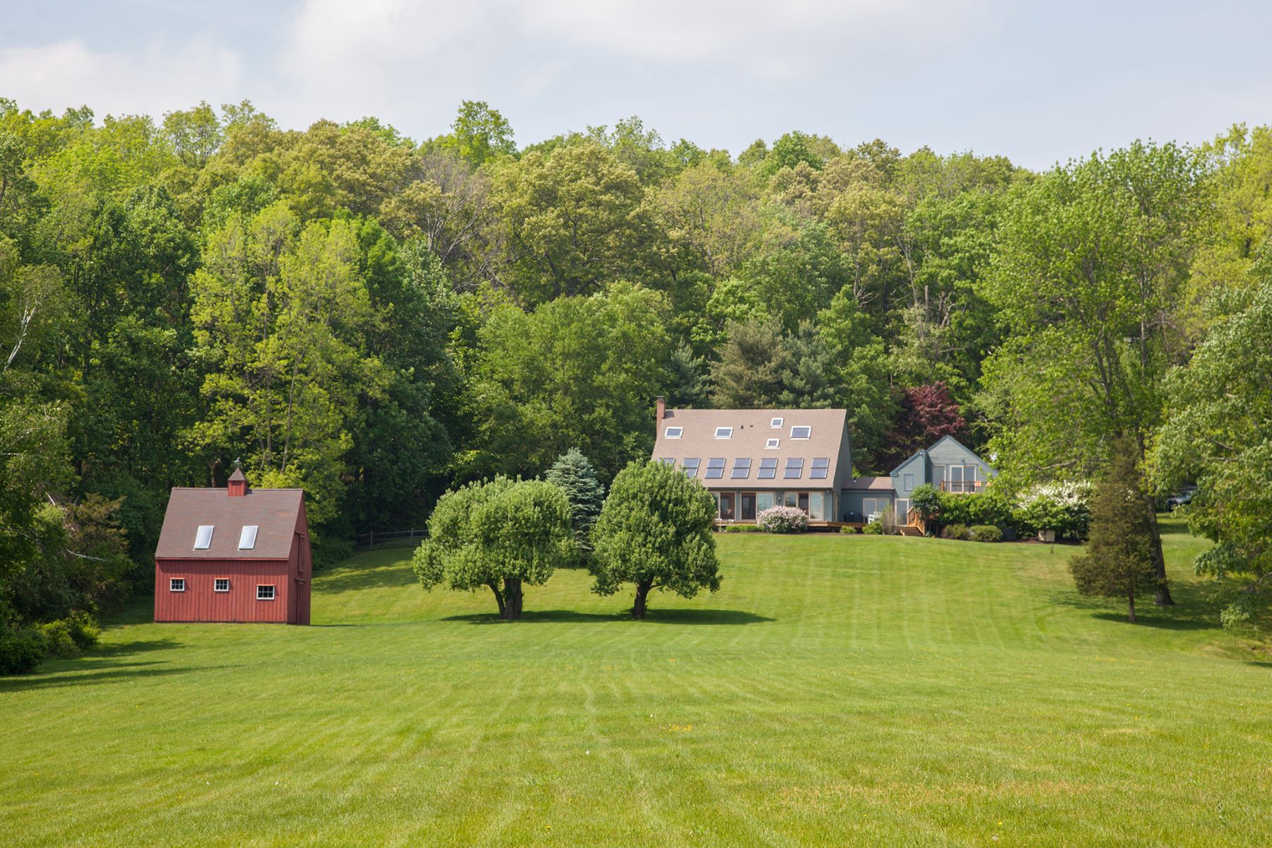 Single Family Home for Sale at Gorgeous Setting with Open Meadow 44 A Booth Rd Roxbury, Connecticut, 06783 United States