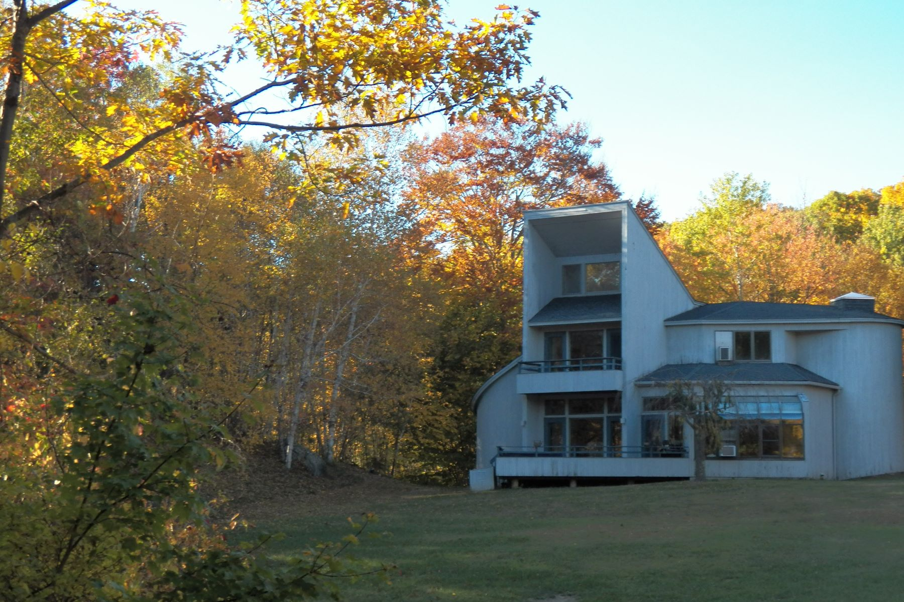 Maison unifamiliale pour l Vente à Country Contemporary 47 Rabbit Hill Rd Washington, Connecticut, 06777 États-Unis