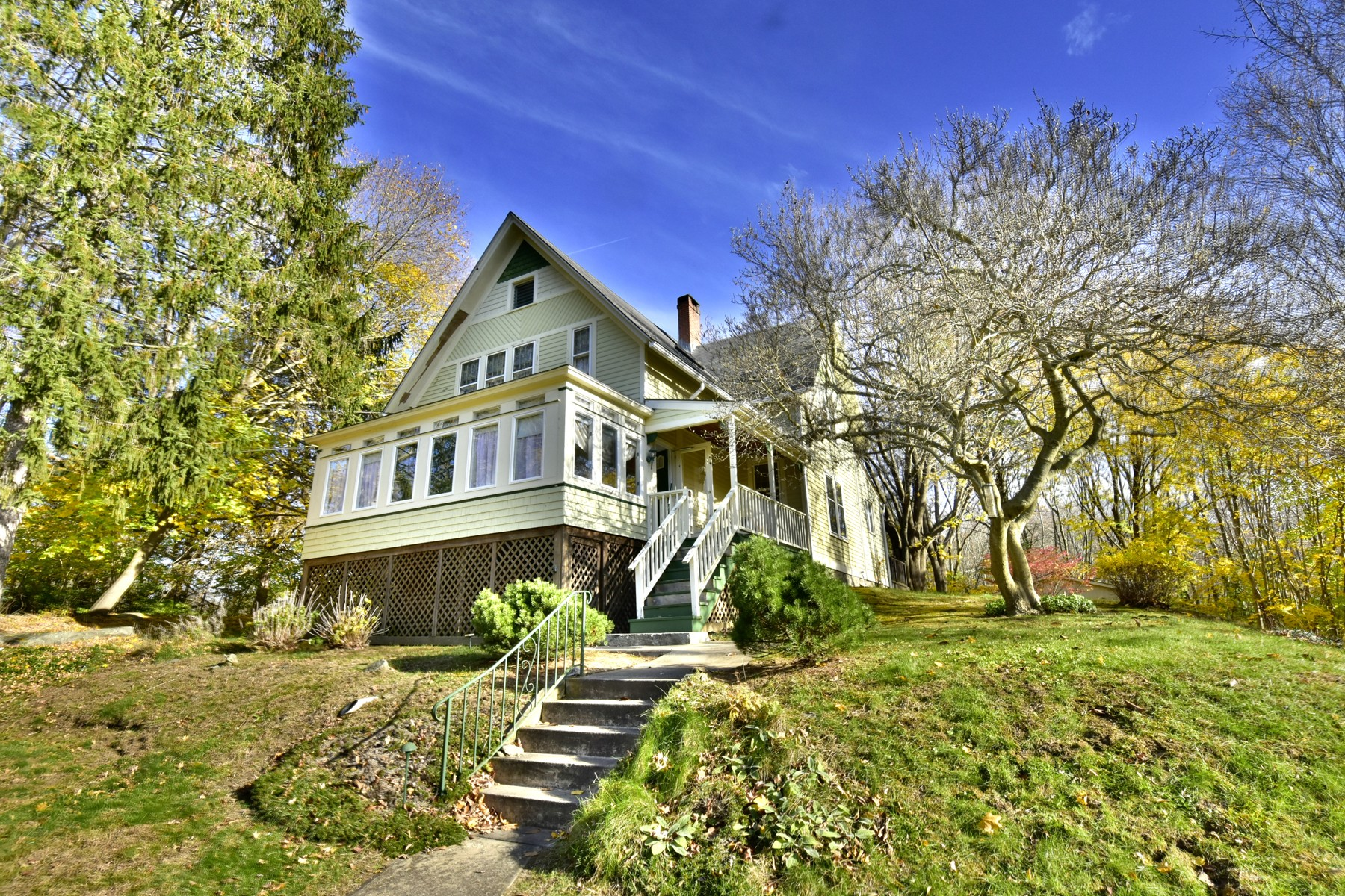 Single Family Home for Active at Charming Victorian in Heart of Deep River Village 58 River St Deep River, 06417 United States
