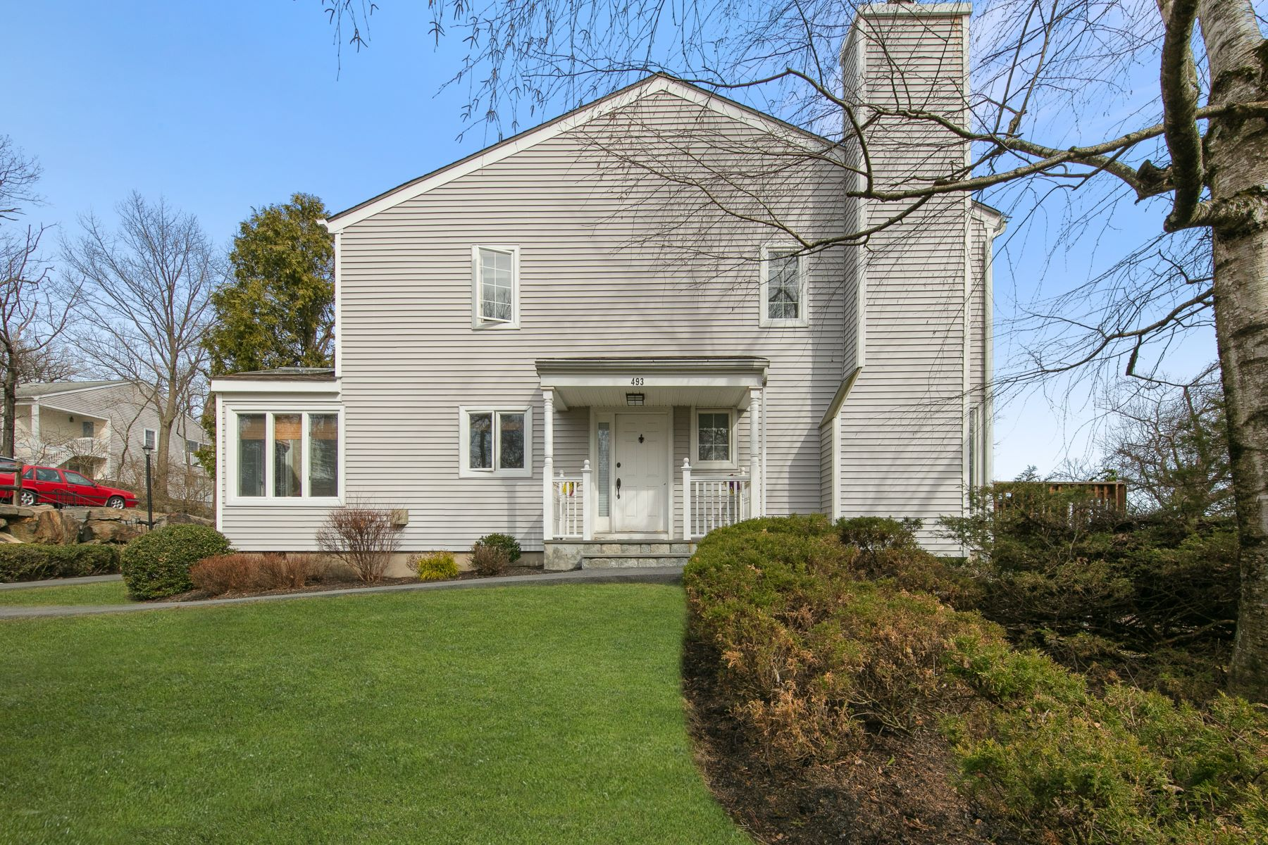 for Active at Stunning and Sun-filled 493 High Cliffe Lane Tarrytown, New York 10591 United States