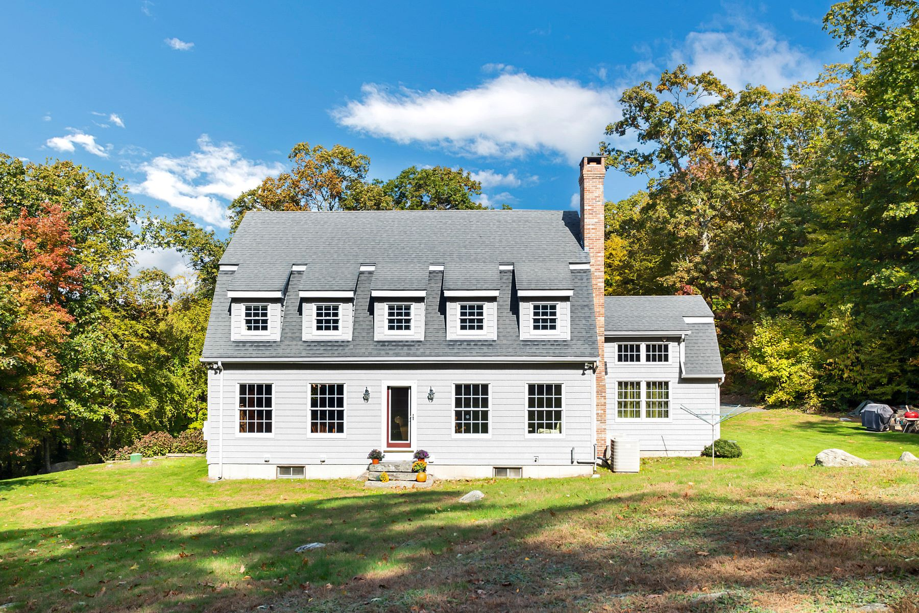 Eensgezinswoning voor Verkoop op 71 Reservoir Road Killingworth, Connecticut 06419 Verenigde Staten