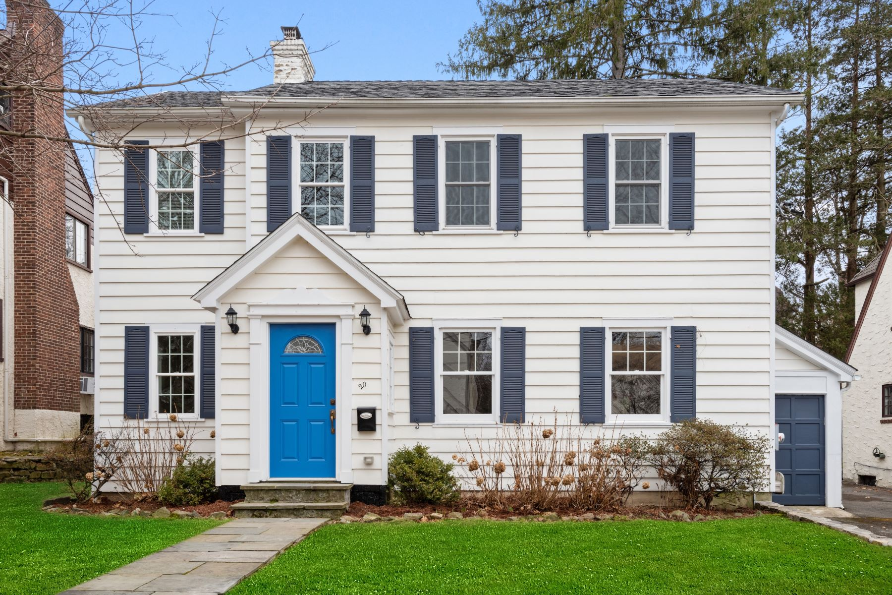 Single Family Homes for Active at 20 Cambridge Court 20 Cambridge Ct Larchmont, New York 10538 United States