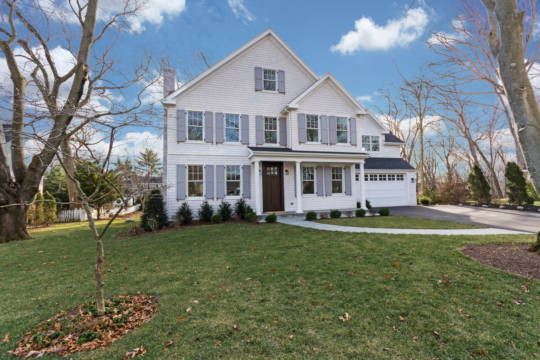 Vivienda unifamiliar por un Venta en Built For The Discerning Buyer 16 Phillips Lane Darien, Connecticut, 06820 Estados Unidos
