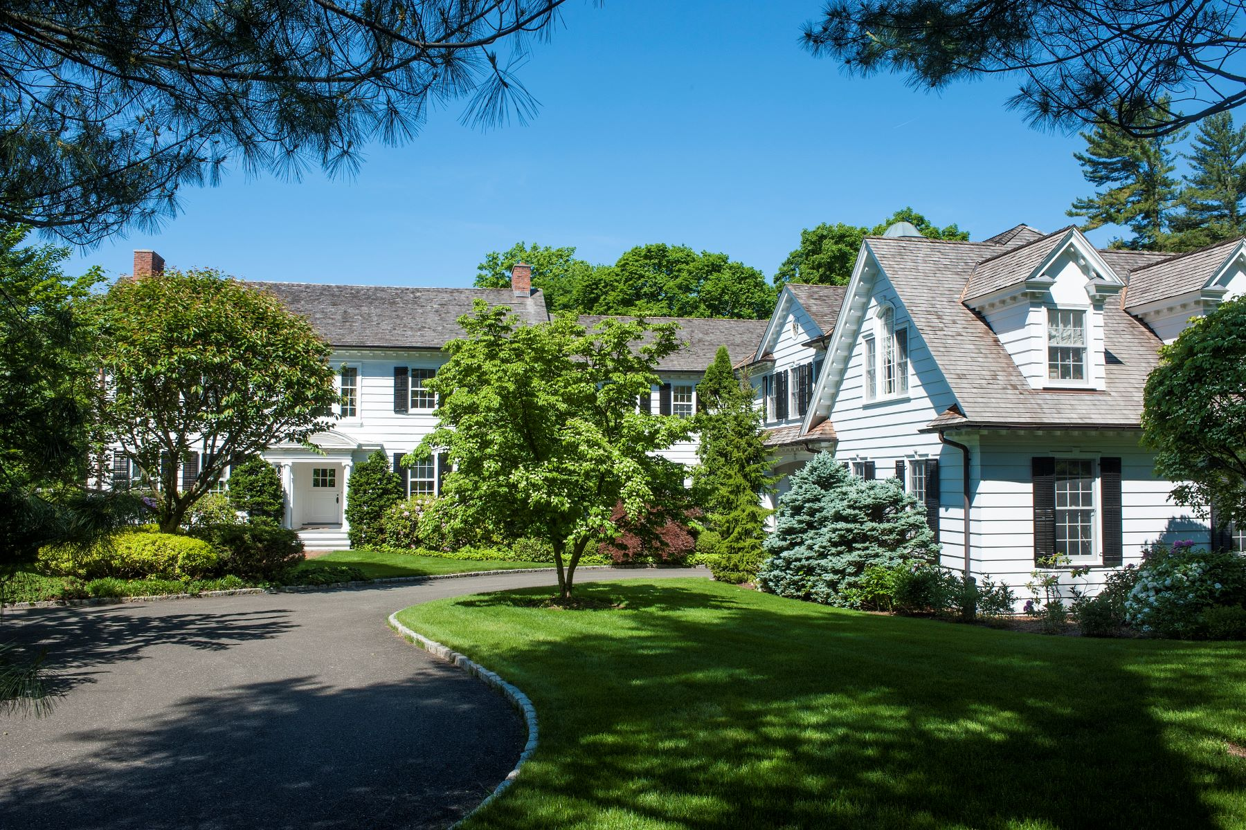 Single Family Home for Sale at Landmark New Canaan Estate 648 Smith Ridge Rd New Canaan, Connecticut, 06840 United States